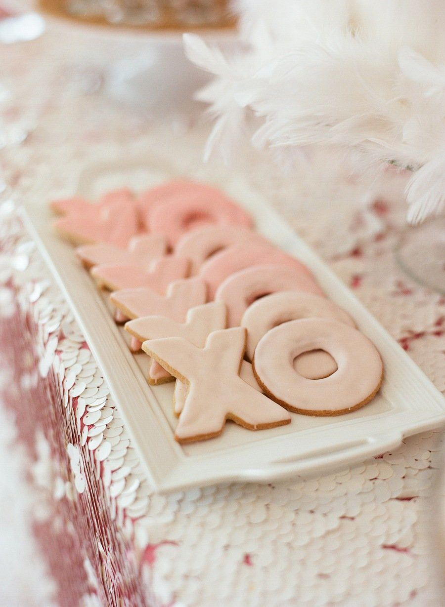 xo cookies pink