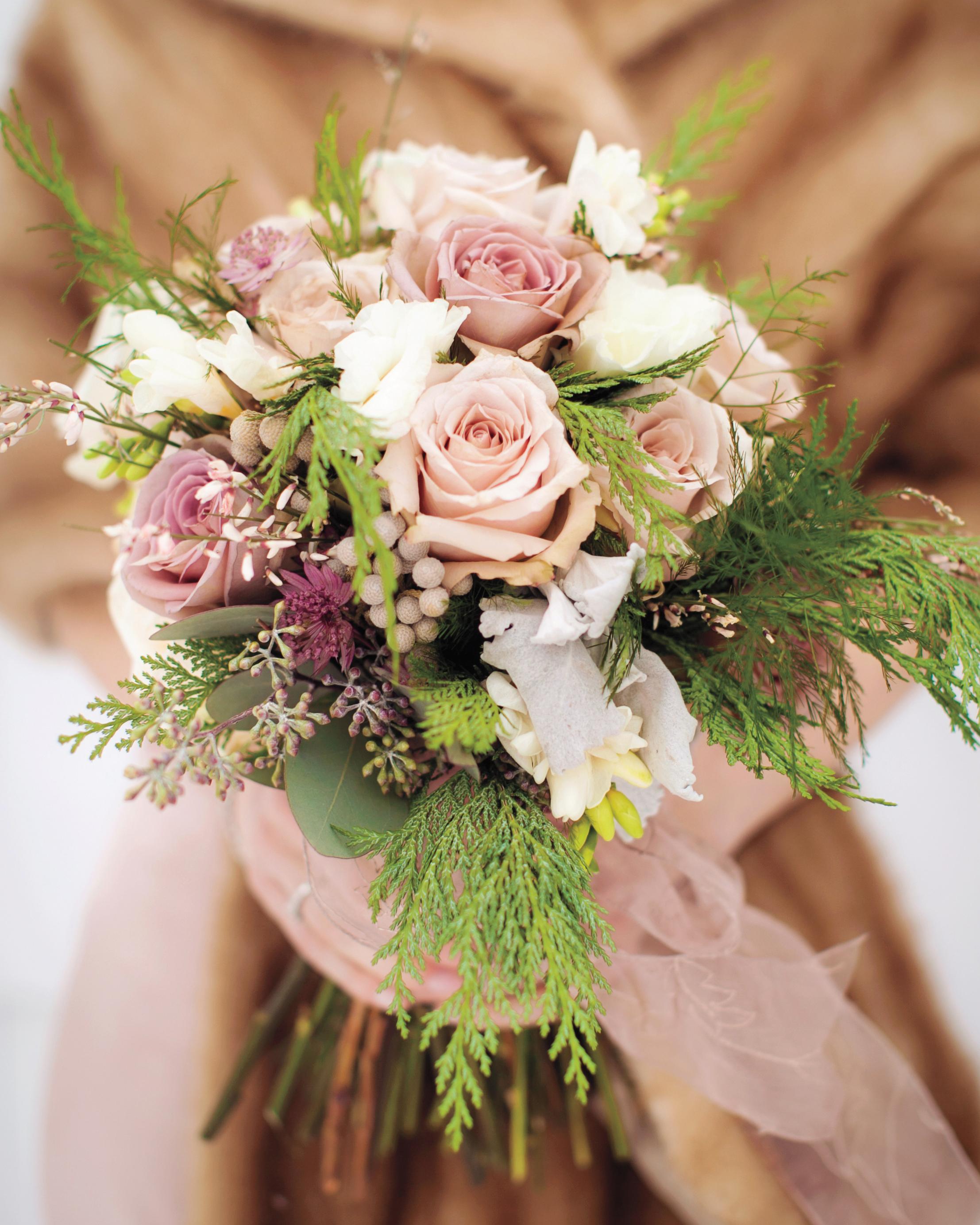 vander-veer-wren-bouquet-mwds109378.jpg