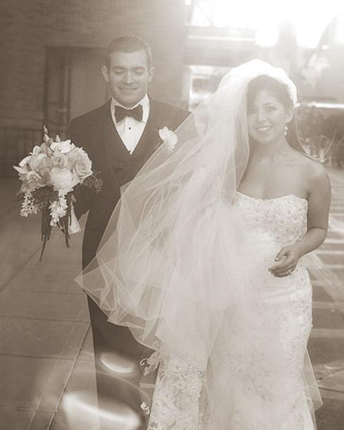 mw2130_0110_couple.jpg