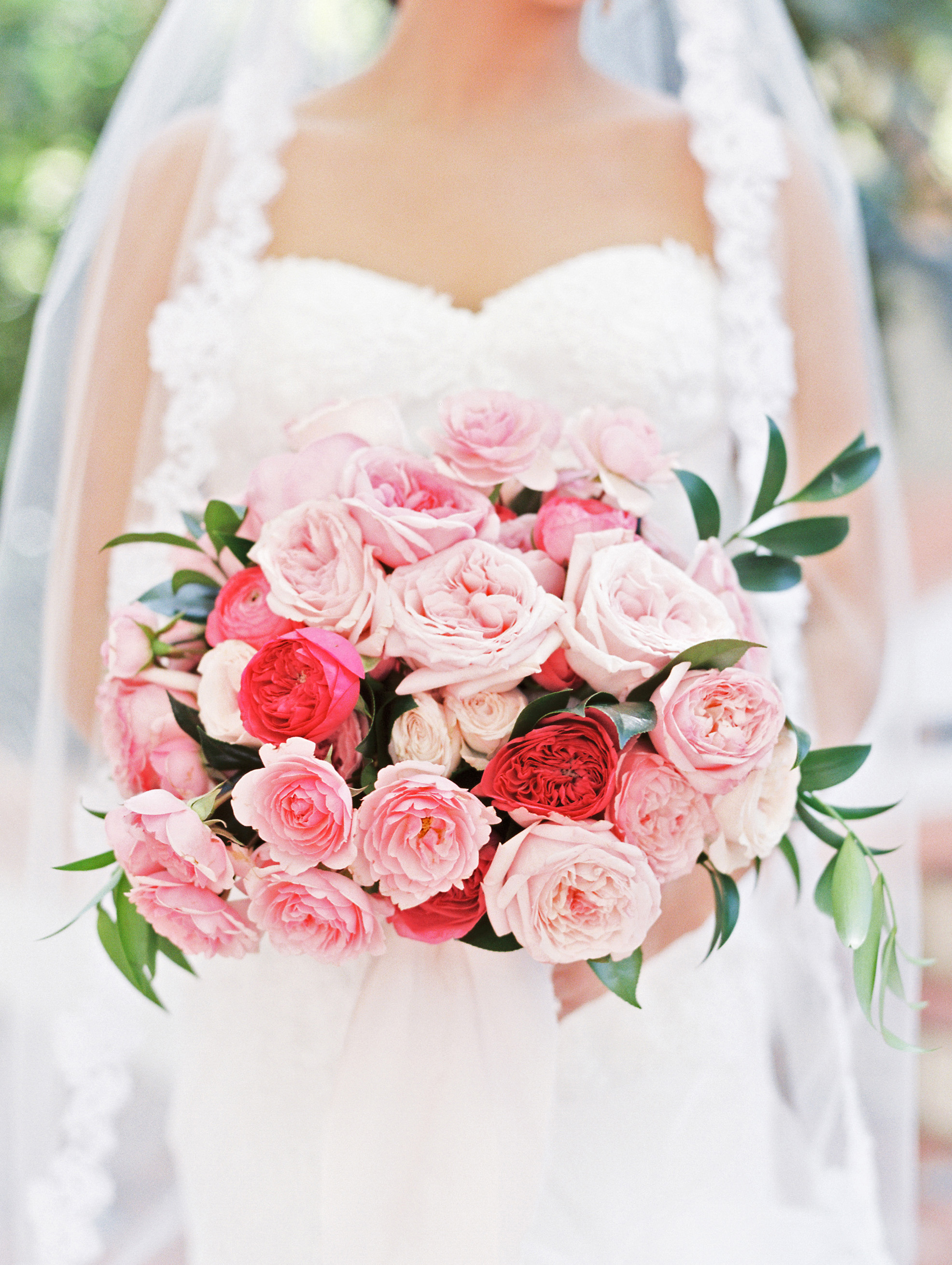 30 Monochromatic Wedding Bouquets Martha Stewart Weddings