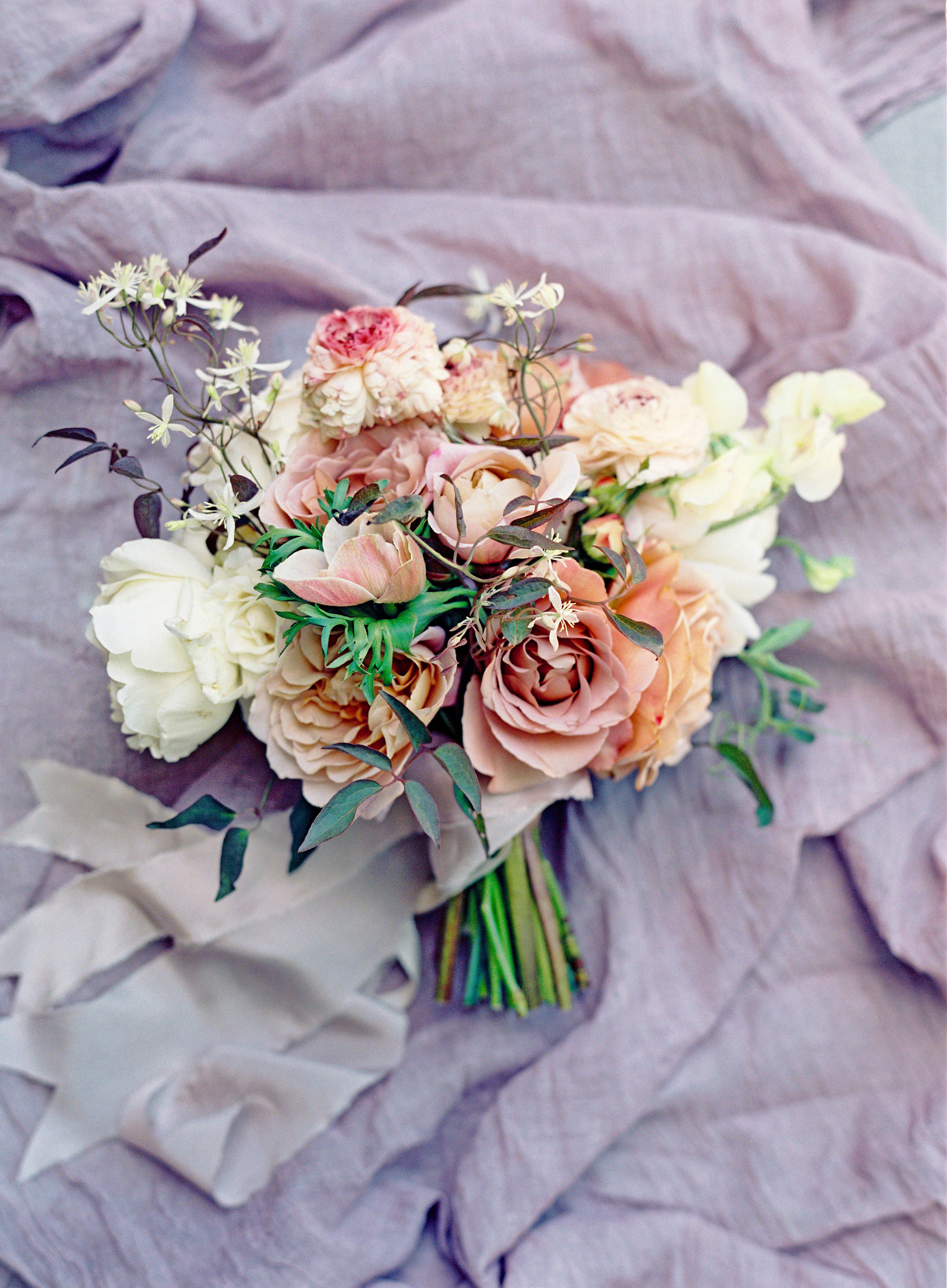 moody subdued wedding bouquet