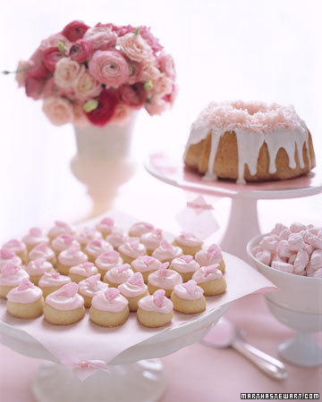 Cherry Blossom-Themed Desserts
