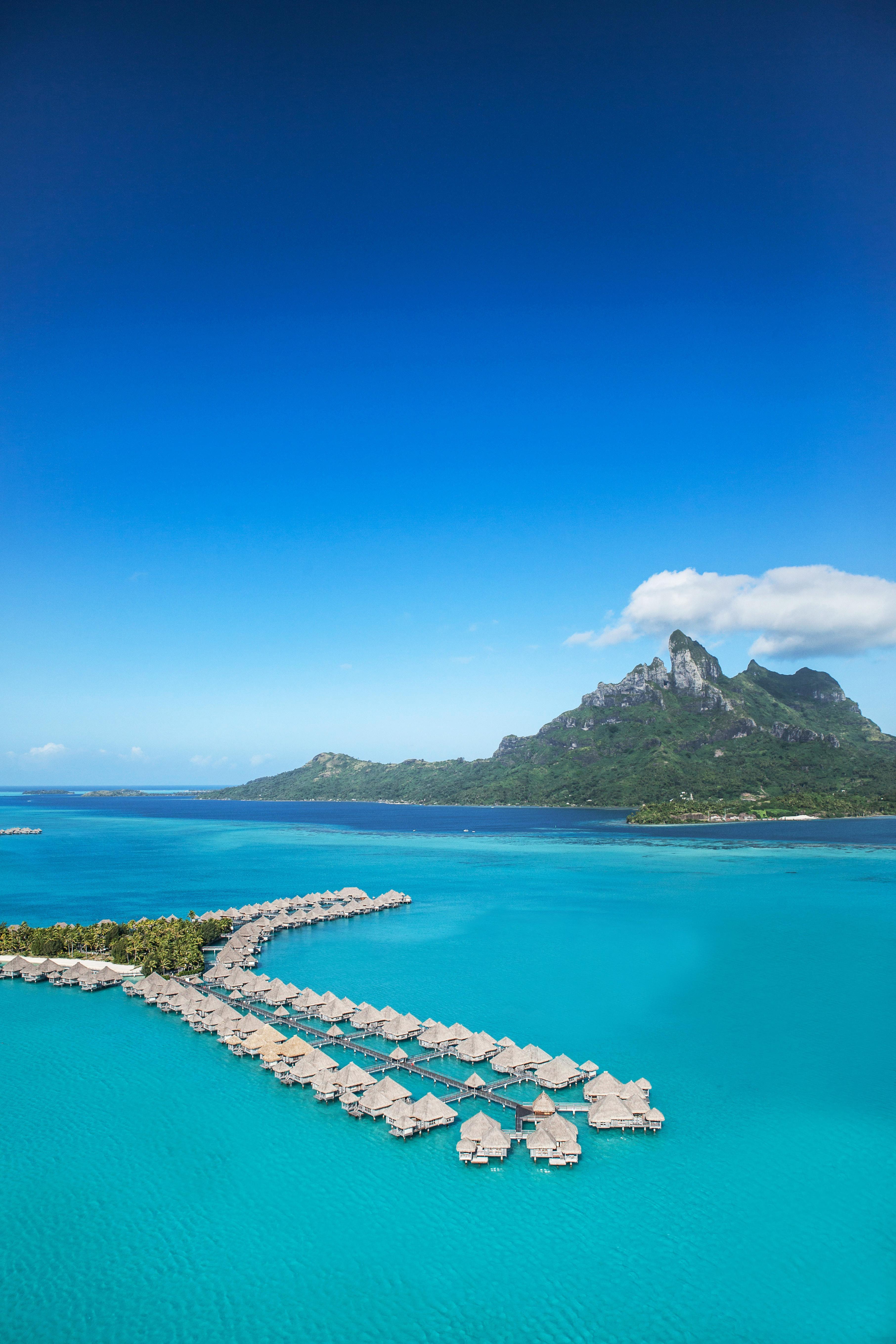 best places for honeymooners st regis bora bora