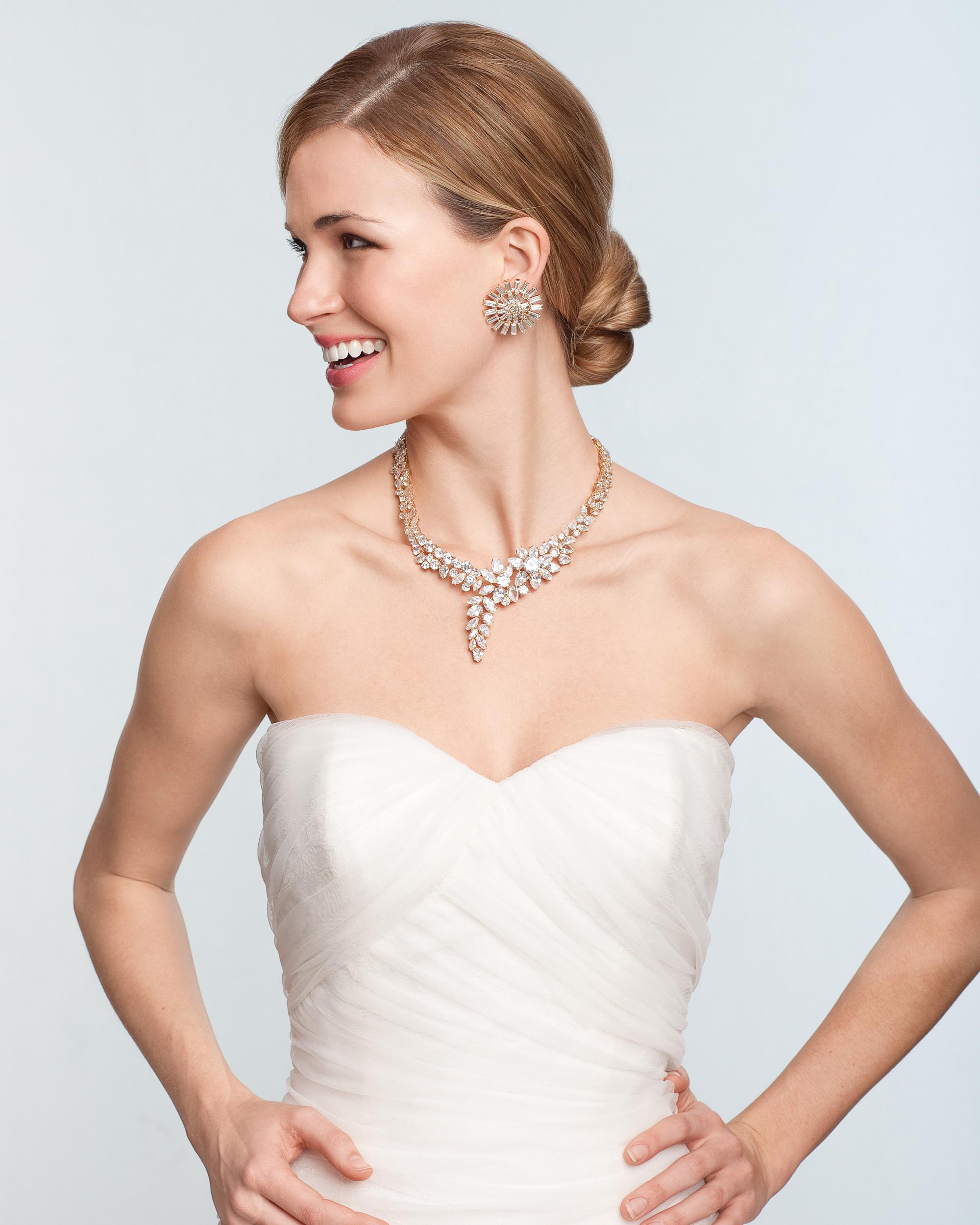 diamond-necklace-sum11md107038.jpg