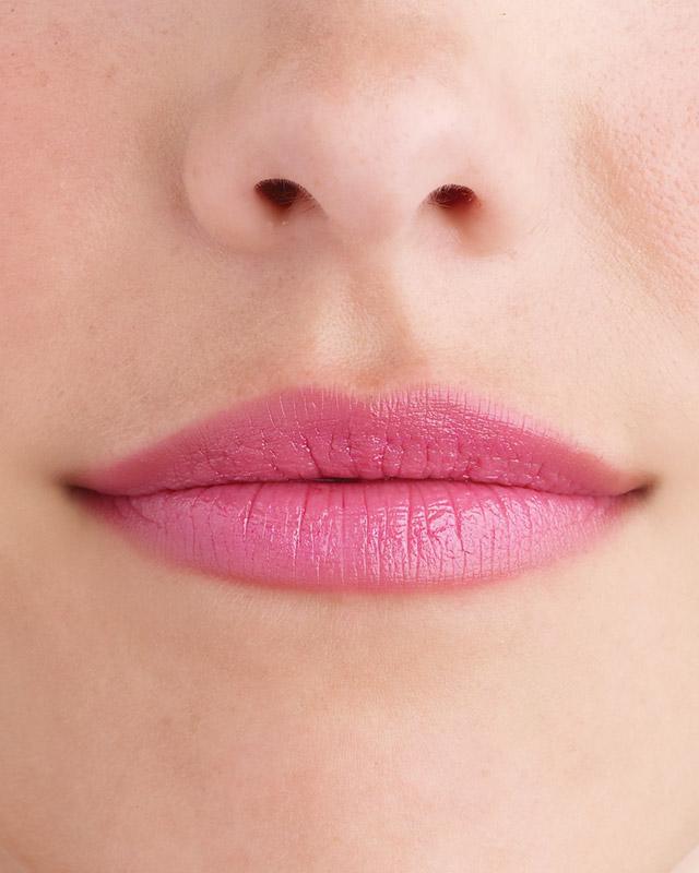 mwd104252_win09_lips05_010.jpg