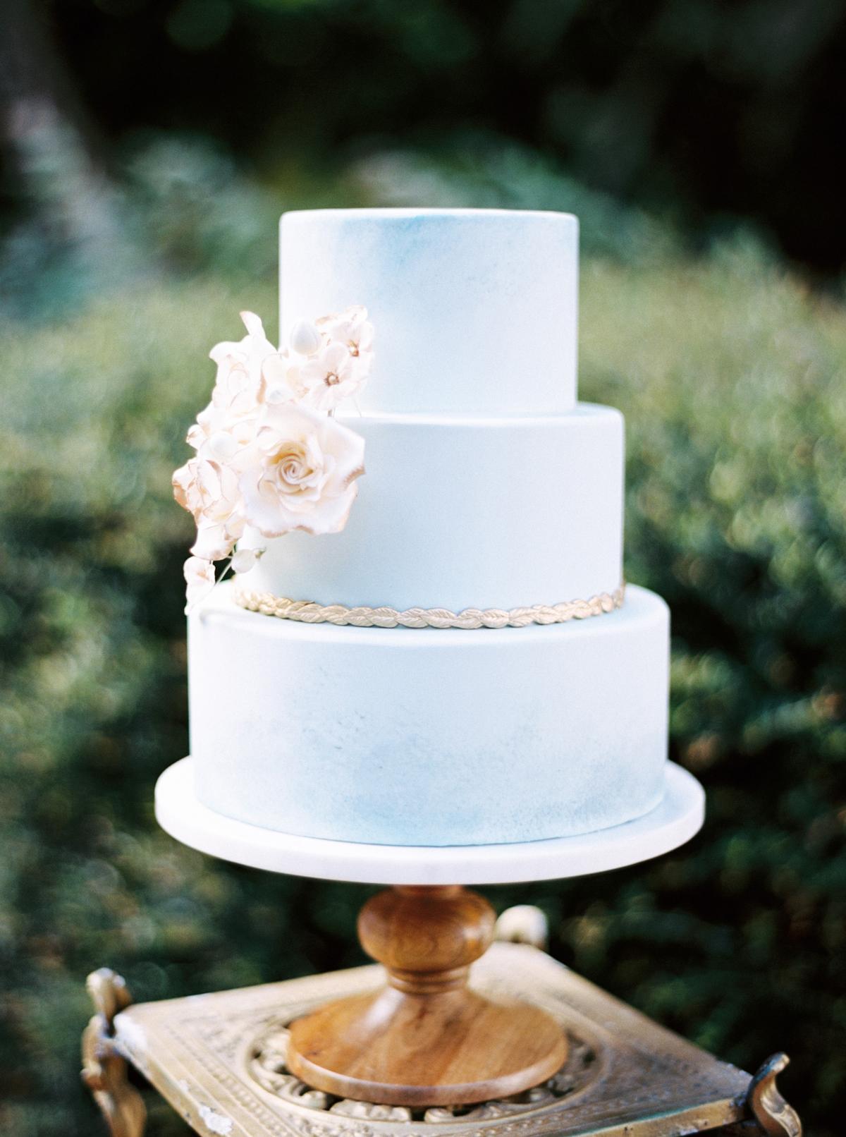 blue wedding ideas hunter ryan photo