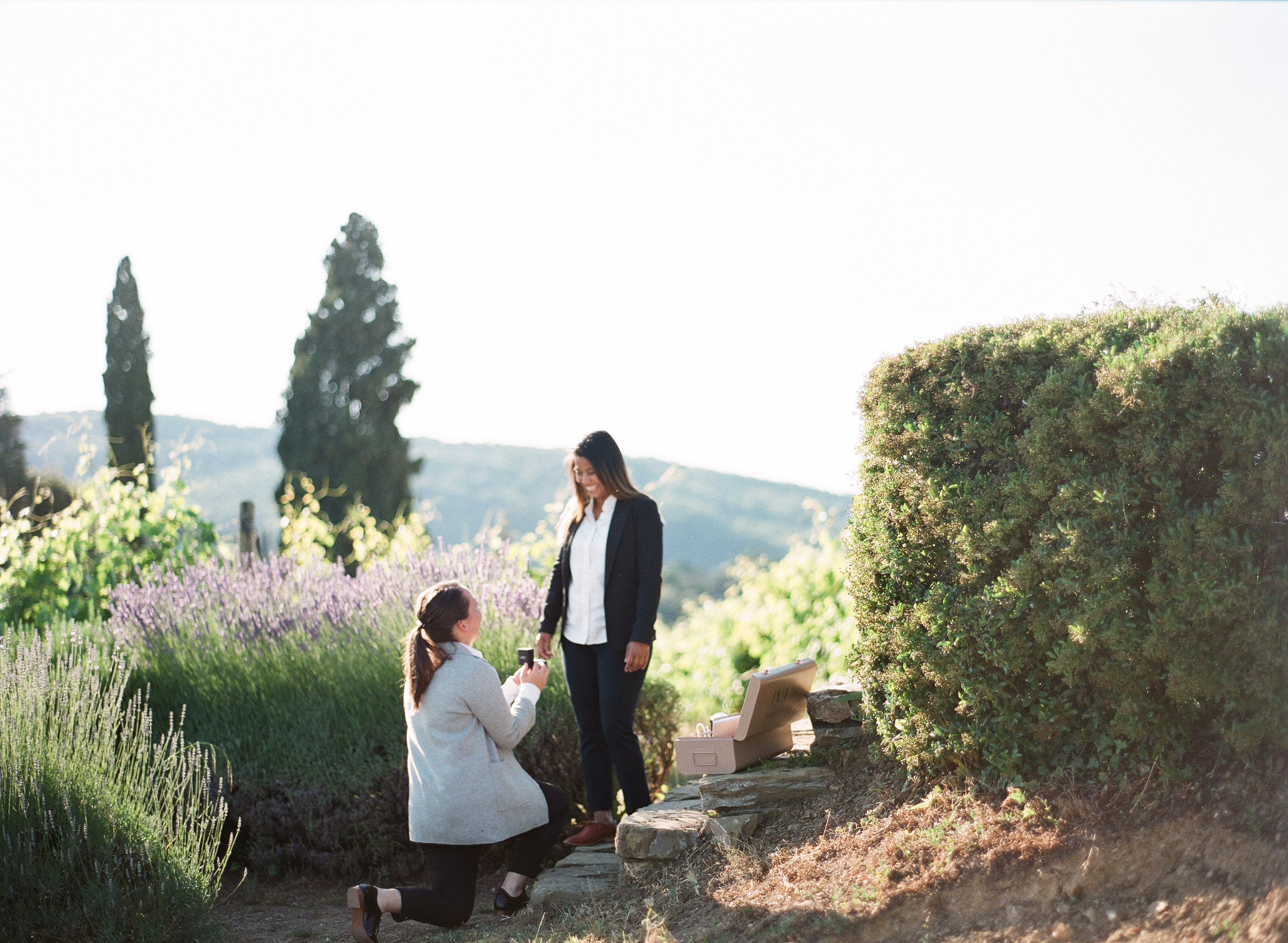 perfect proposals tuscan sunset at vineyard