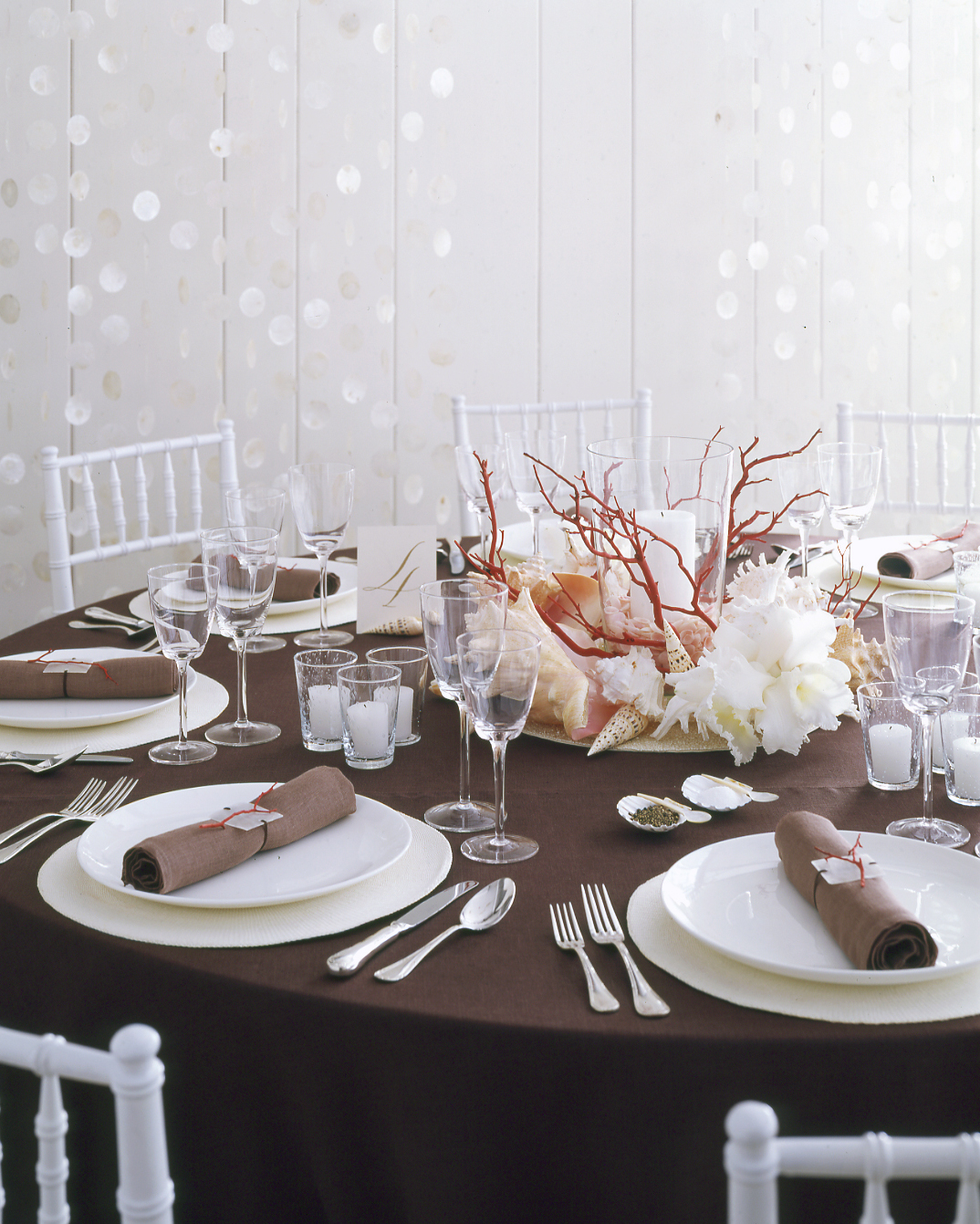diy-beach-wedding-ideas-seashell-centerpiece-su05-0615.jpg