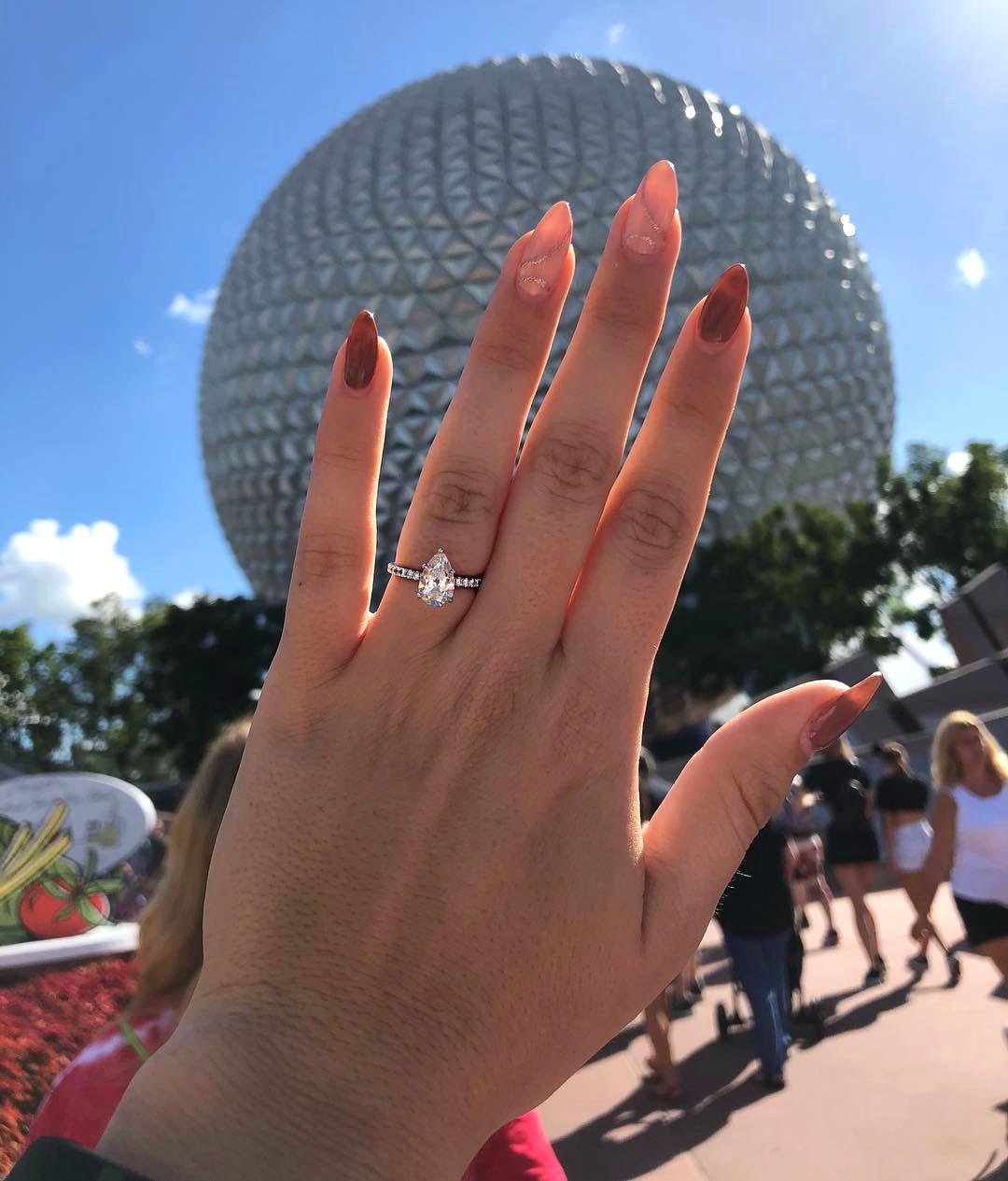 engagement ring selfie epcot at walt disney world