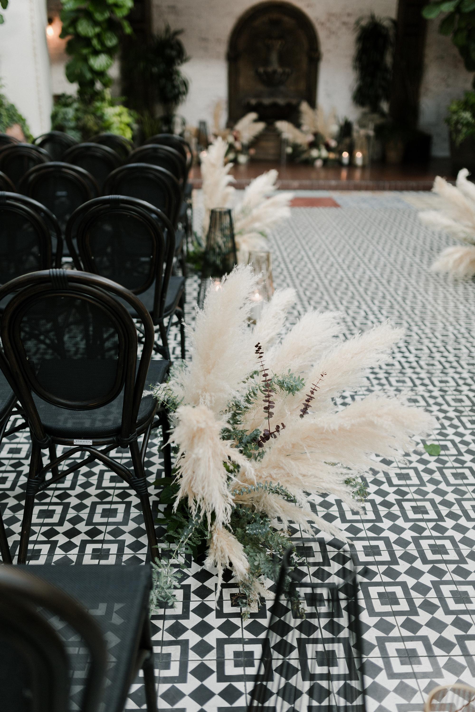 pampas grass aisle decoration