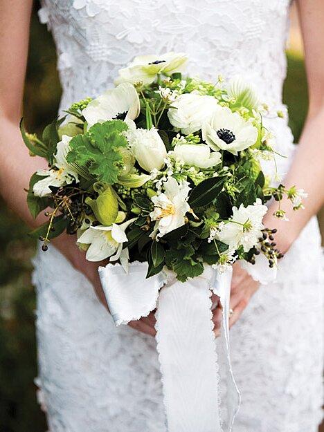 a1dfd2429fe33 A Formal Black-and-White Wedding in North Carolina | Martha Stewart ...