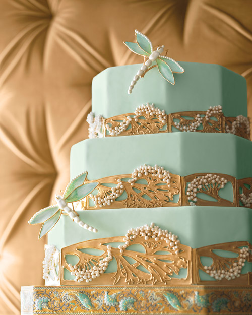 Wedding Cake Inspired by Jeweled Pins
