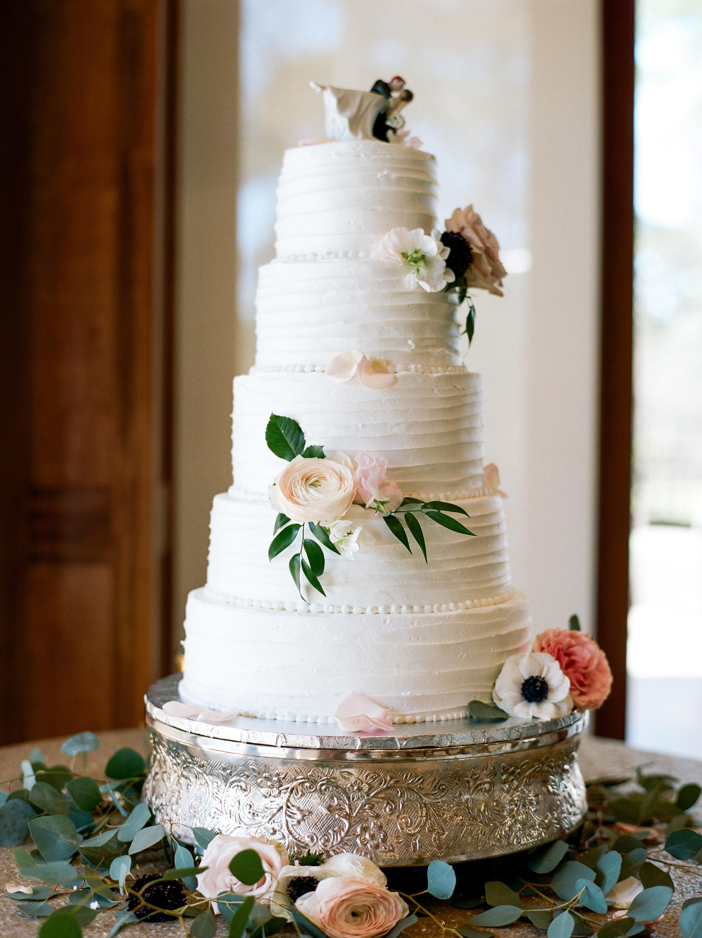 wedding cake toppers dana fernandez photography
