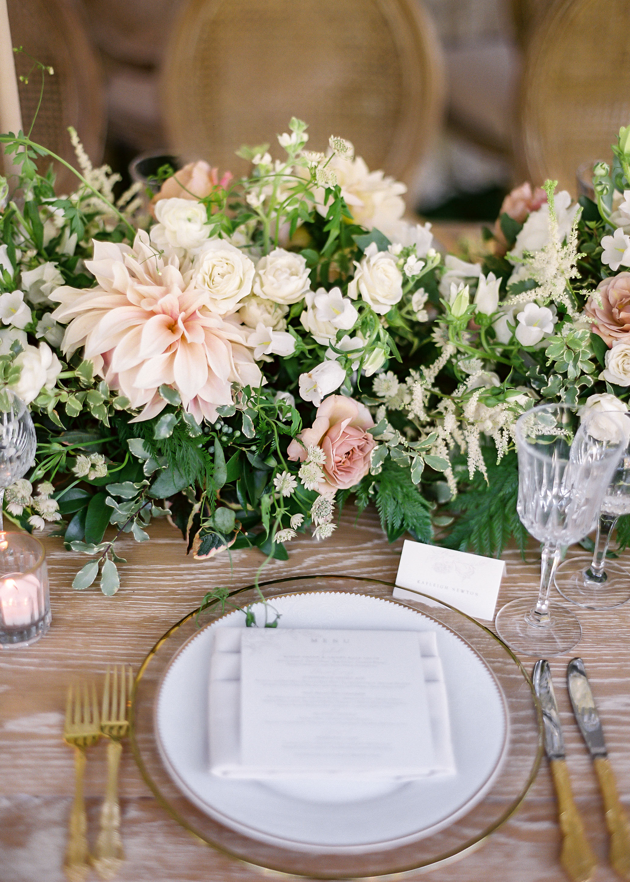 dahlia wedding centerpieces garland table runner setting