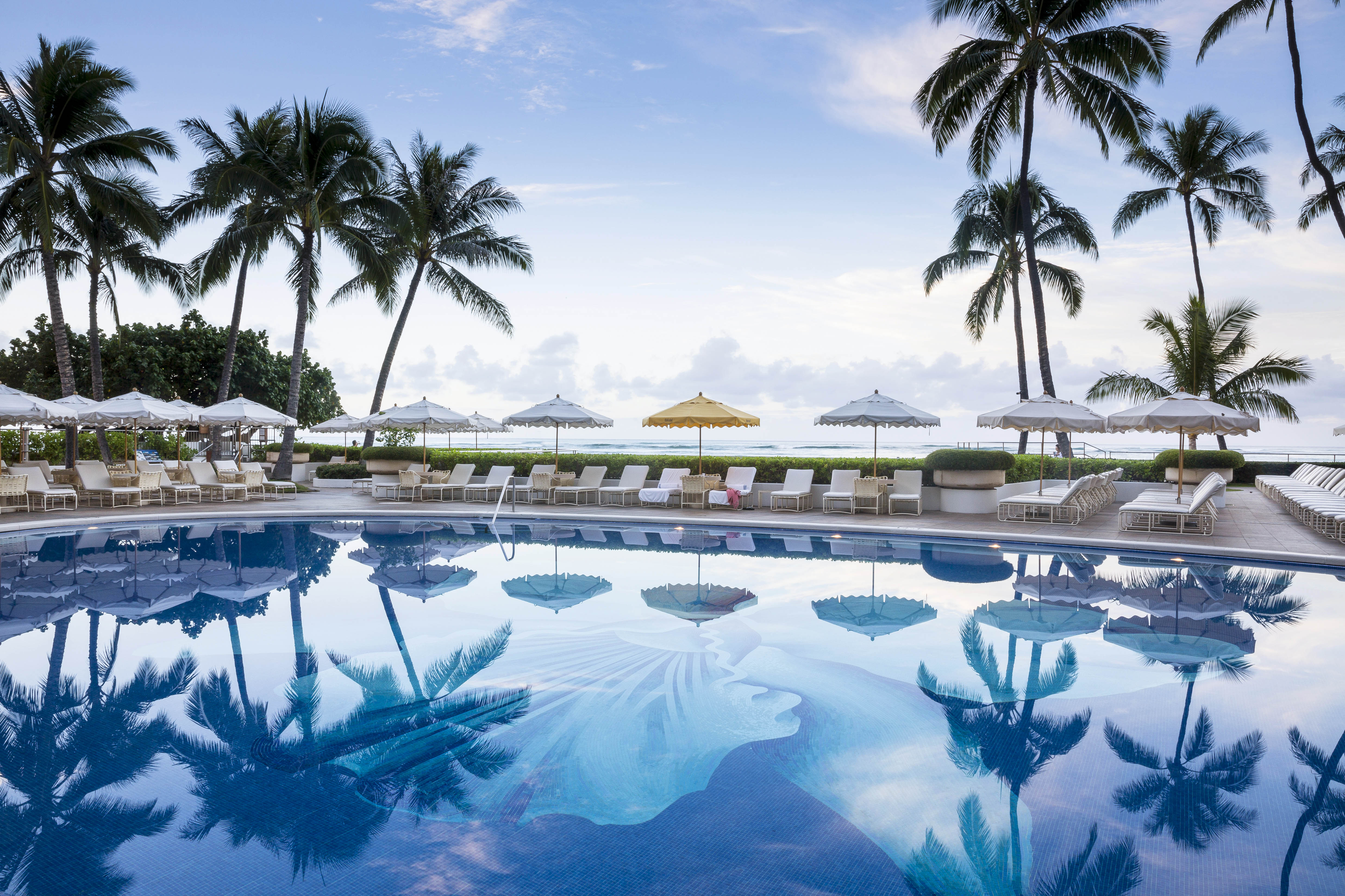 best resorts hawaii halekulani
