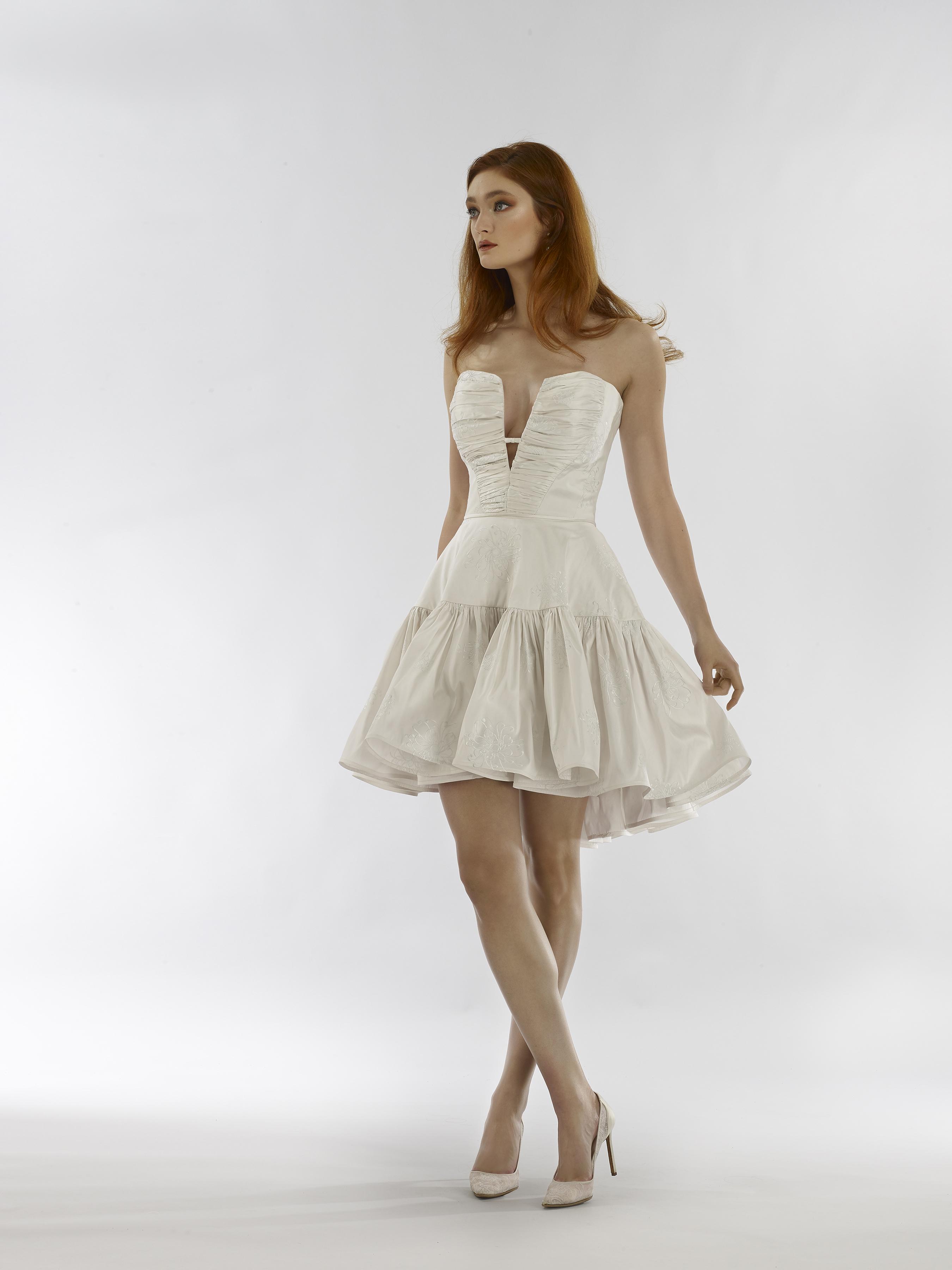 steven birnbaum spring 2020 wedding dress plunging sweetheart a-line short