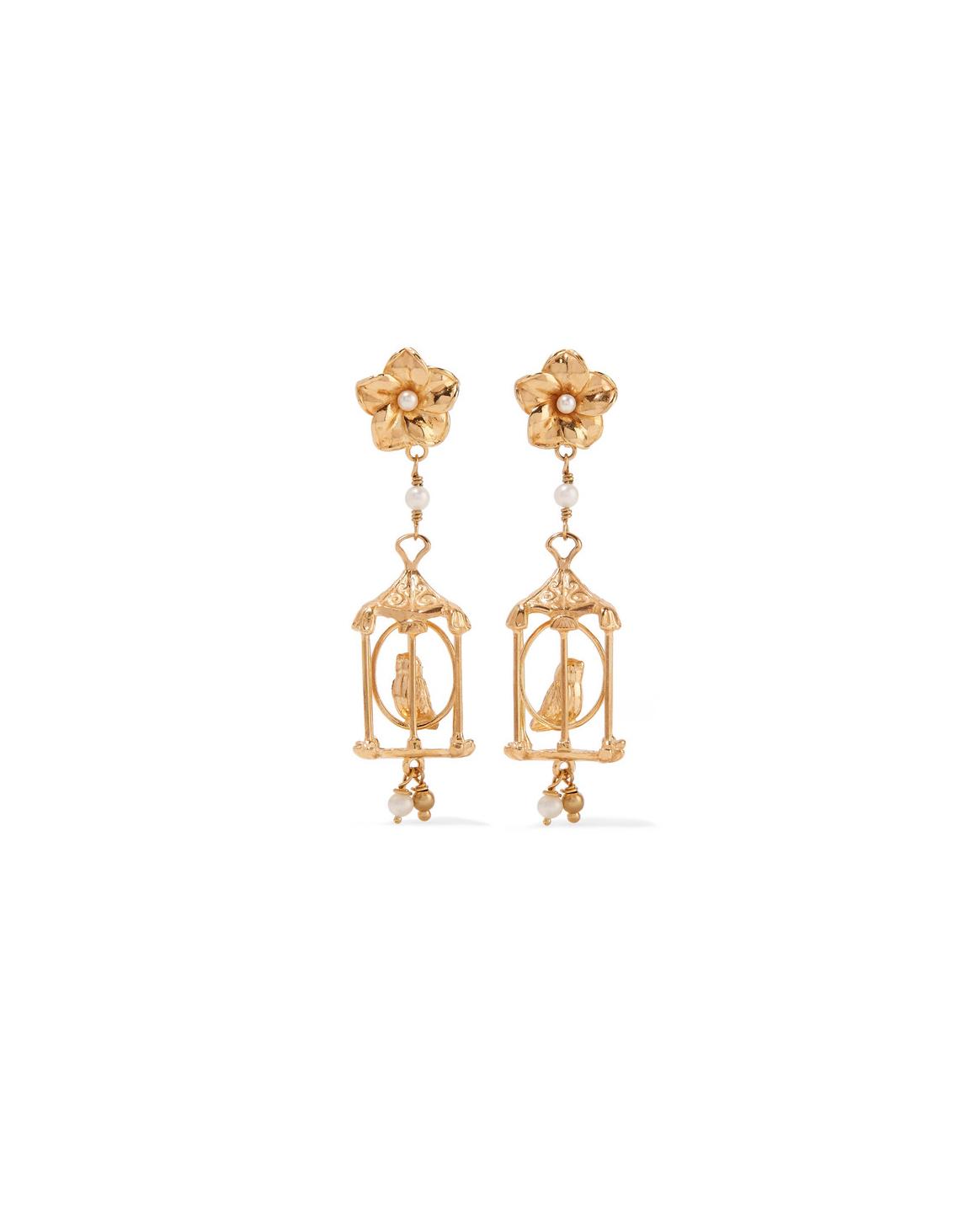 wedding earrings of rare origin