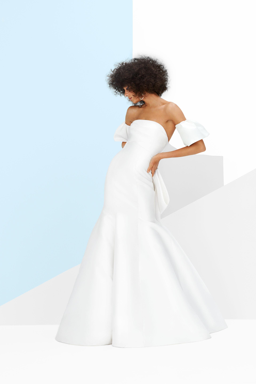 monique lhuillier winston gown