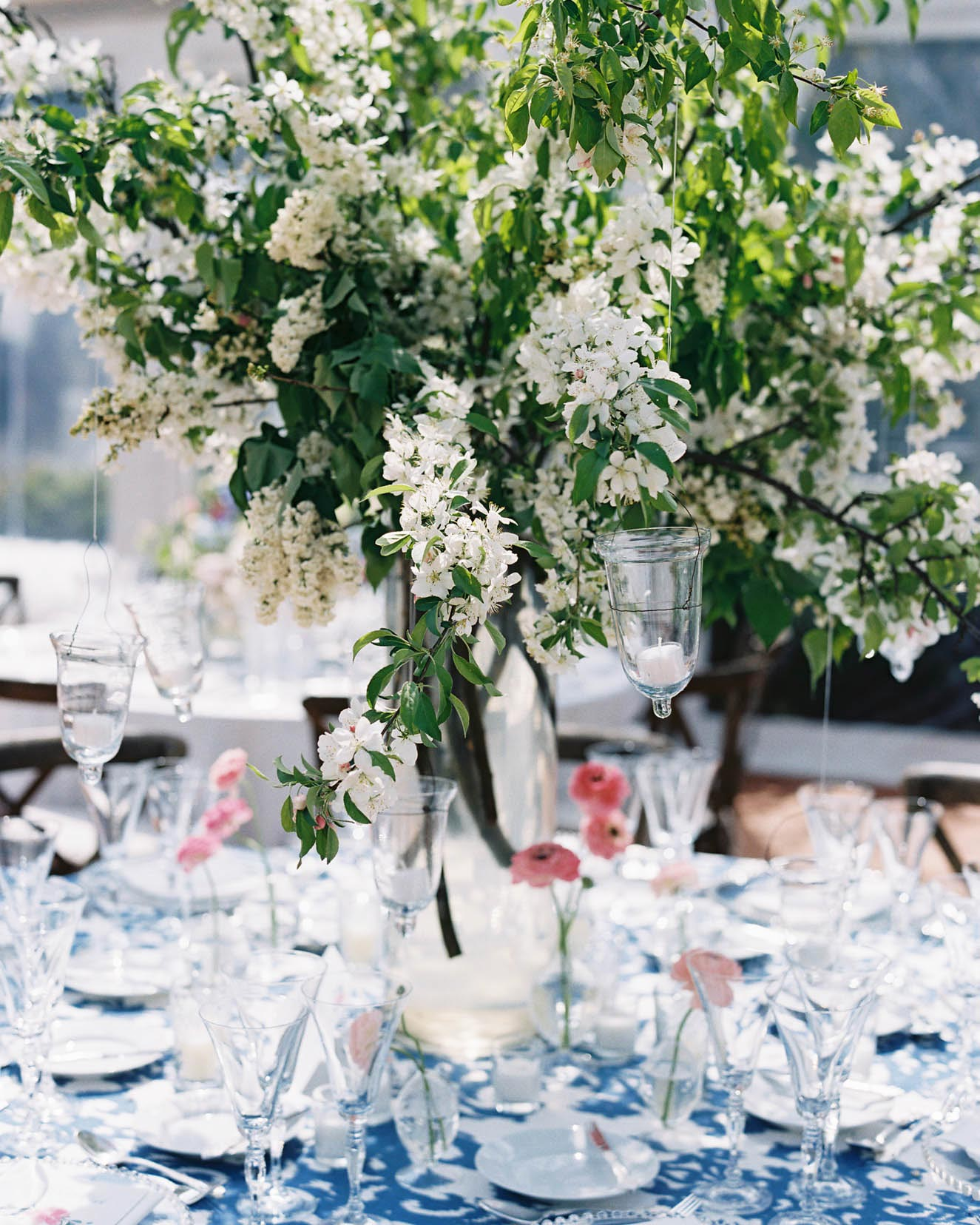 Alternating Centerpieces