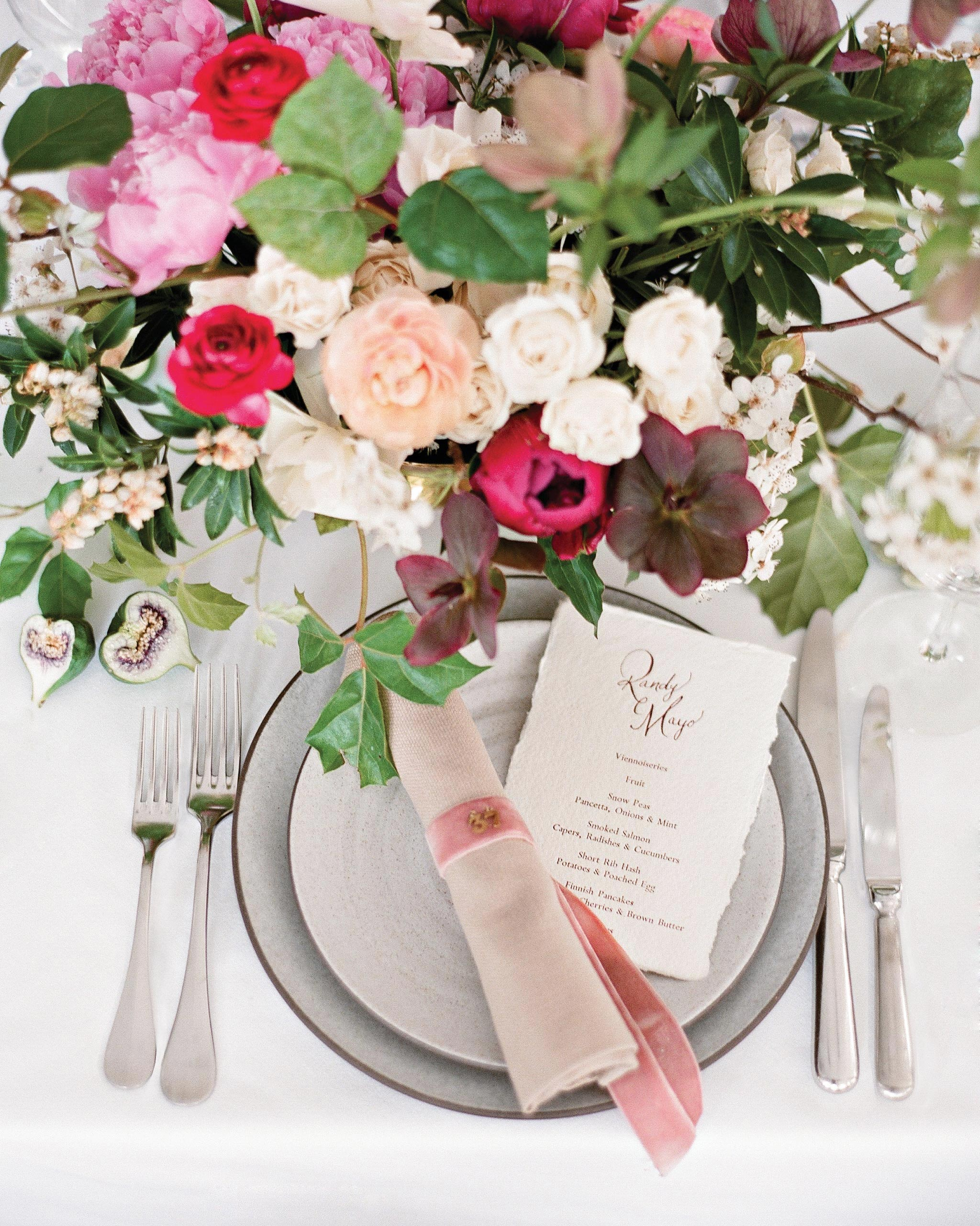 randy-mayo-real-wedding-place-setting-and-centerpiece.jpg
