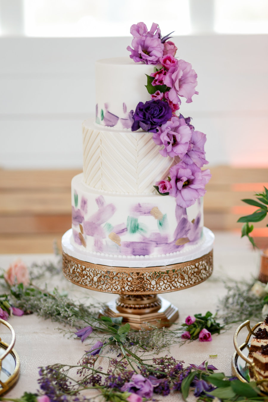 purple-and-white wedding cake