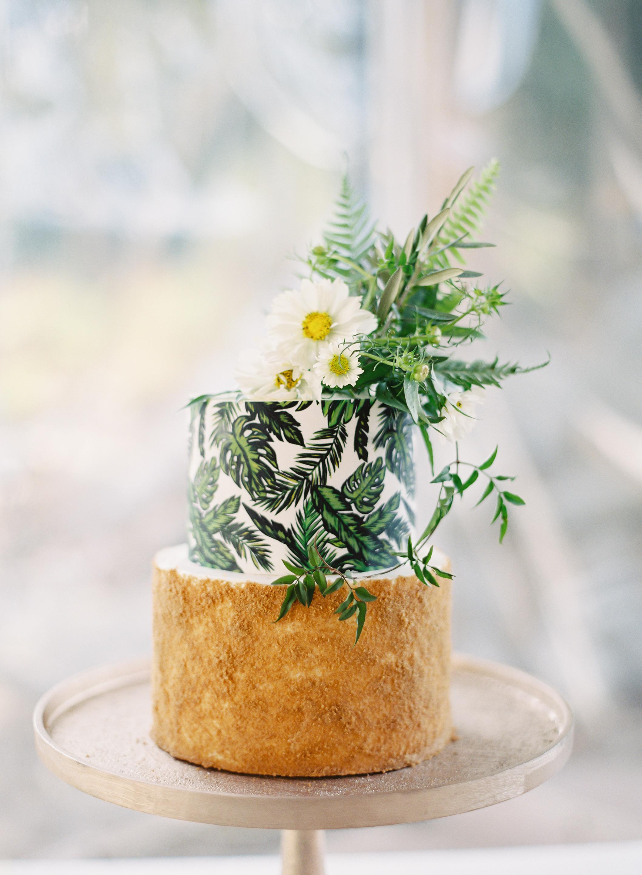 palm-print wedding cake