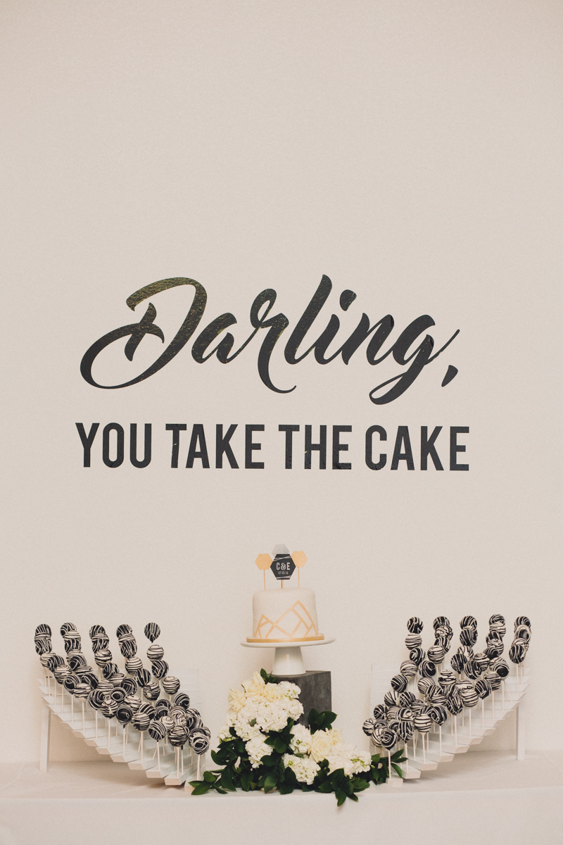 cake table with quote