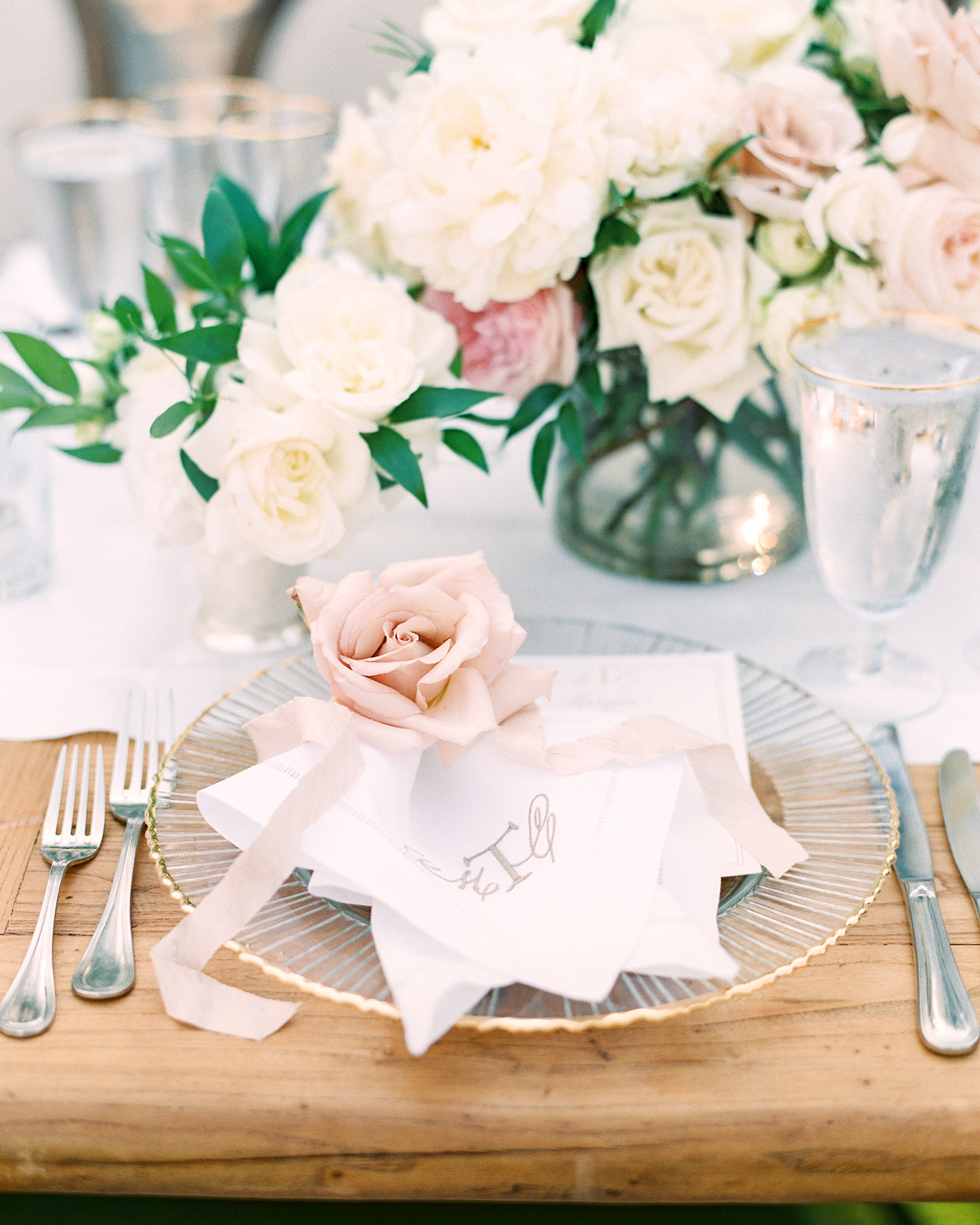 ribbon wedding ideas ribbon and rose place setting decor