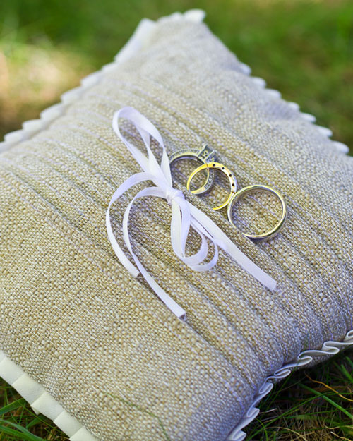 rw_1210_molly_ken_ring_pillow.jpg