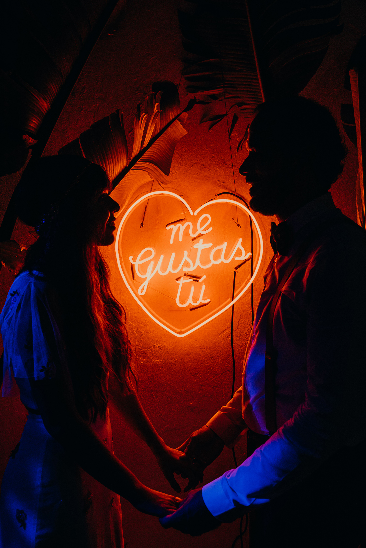 red wedding ideas ricardo enrique neon sign