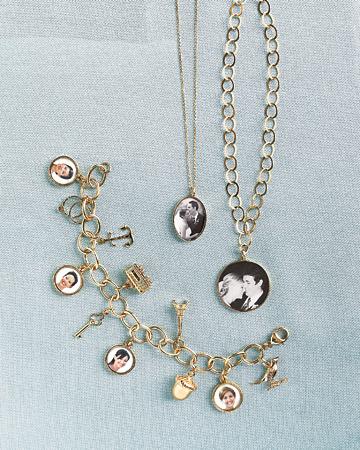 mwd104142_fal08_jewelry.jpg