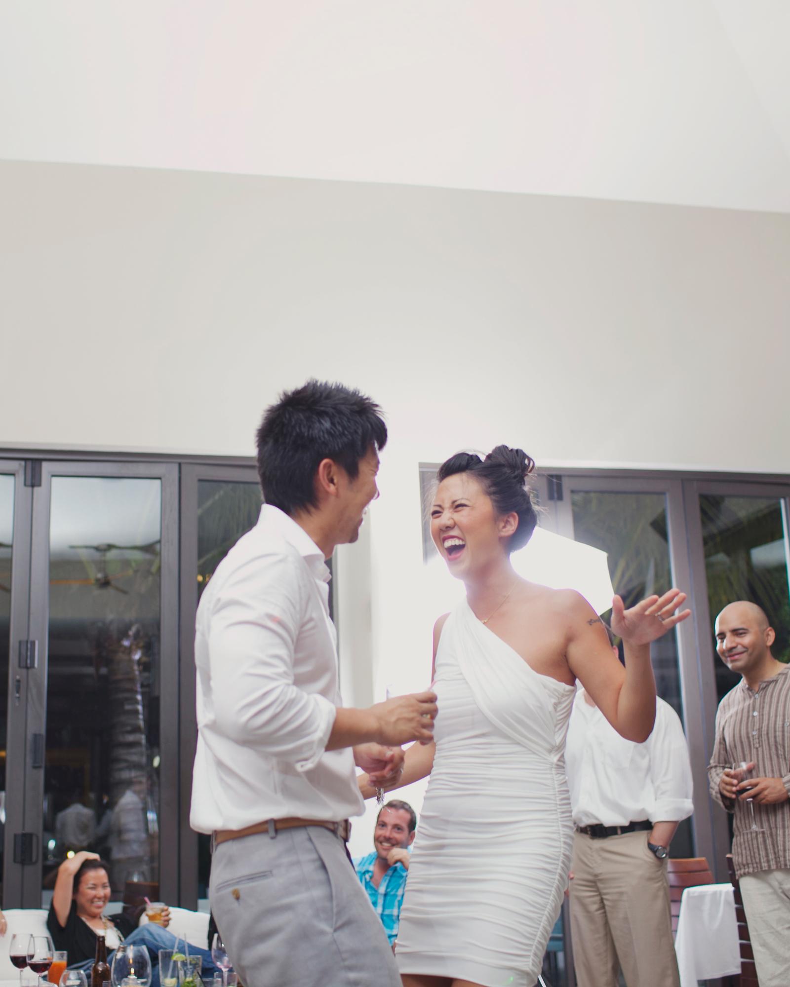 real-weddings-jessica-bobby-0811-585.jpg