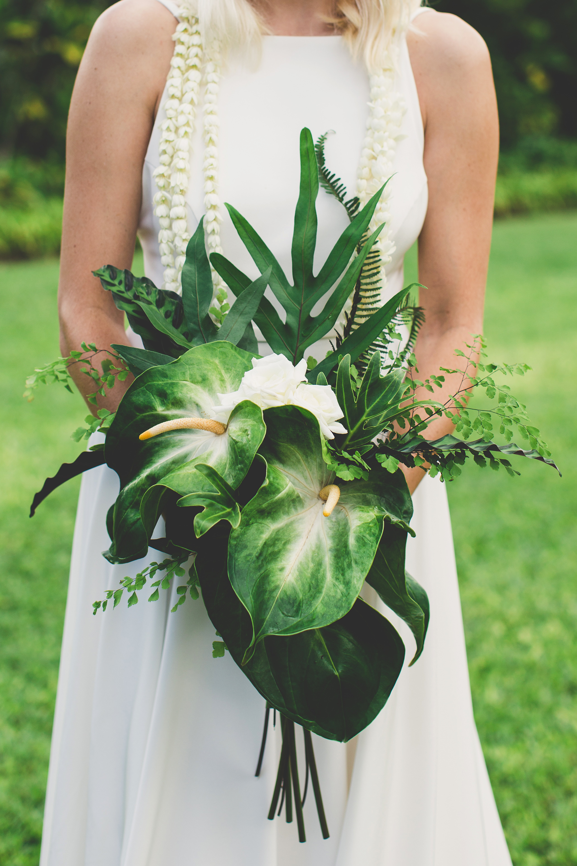 nonfloral wedding bouquets maui maka photography