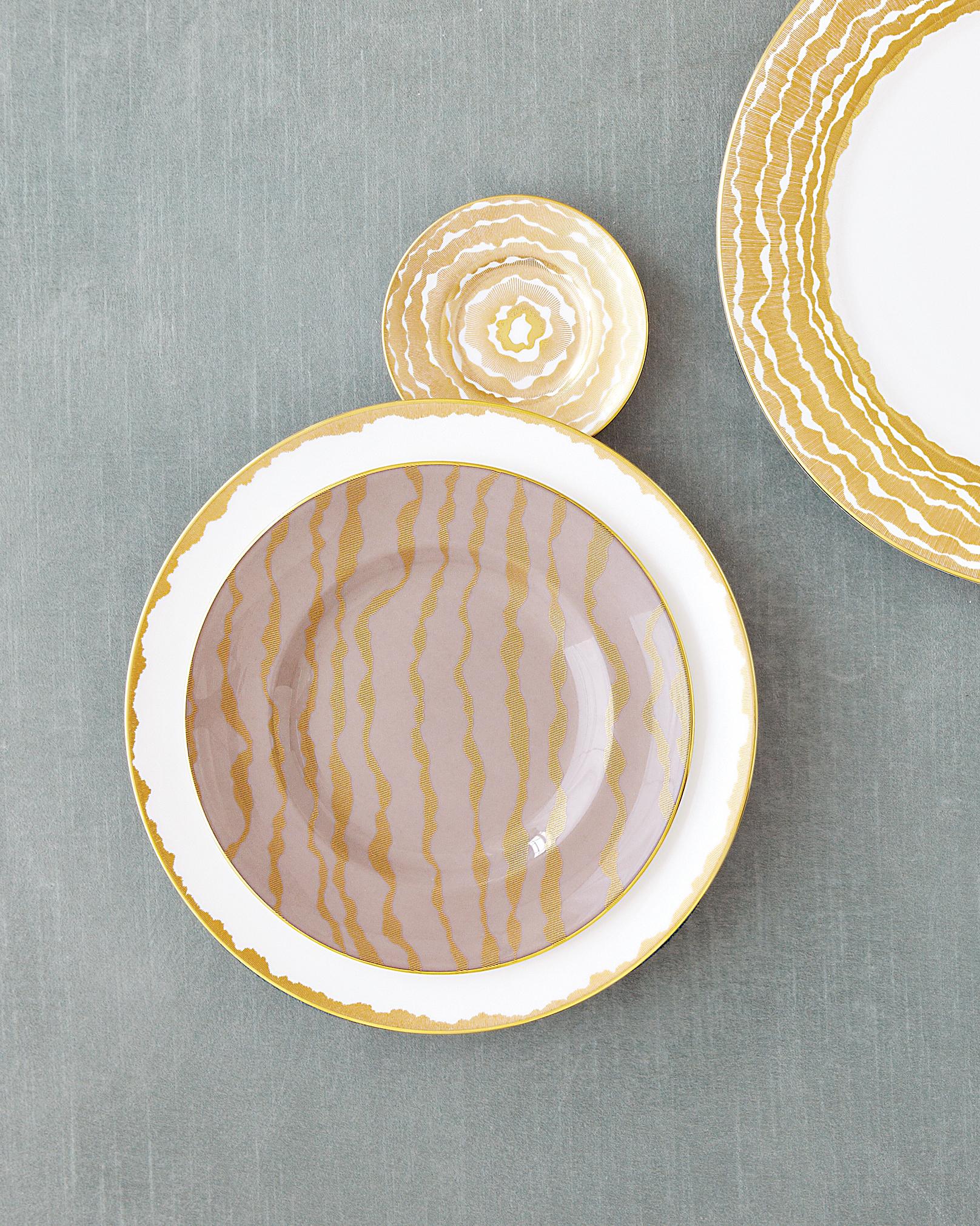 dinnerware-2-0811mwd107434.jpg