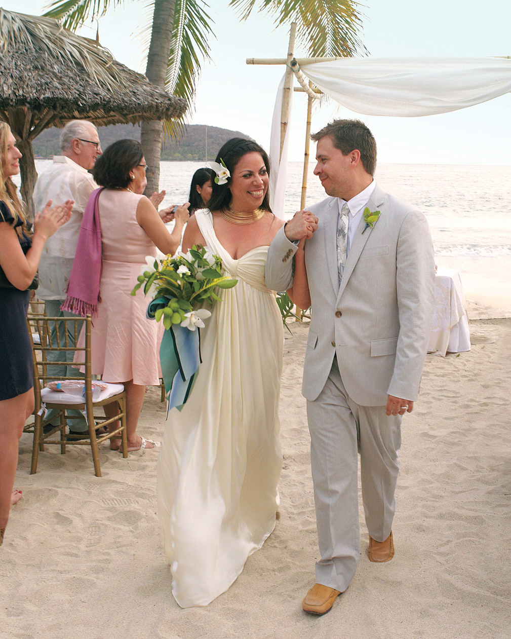 rw-mexico-bride-groom-2-mwds107779.jpg