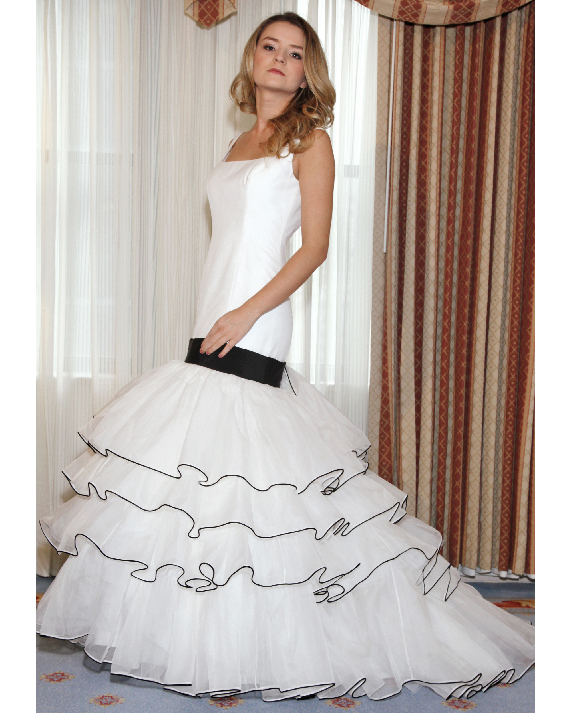 karen-hendrix-couture-fall2012-wd108109-004.jpg