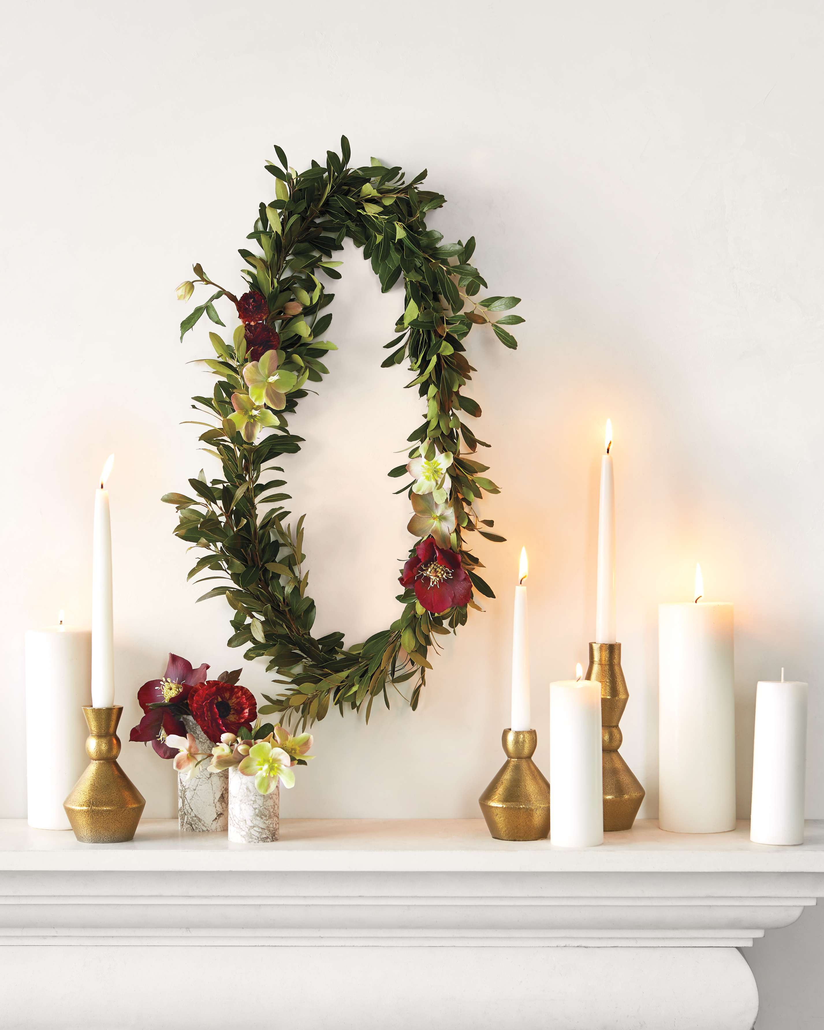 opener-wreath-mantle-02-d111996.jpg