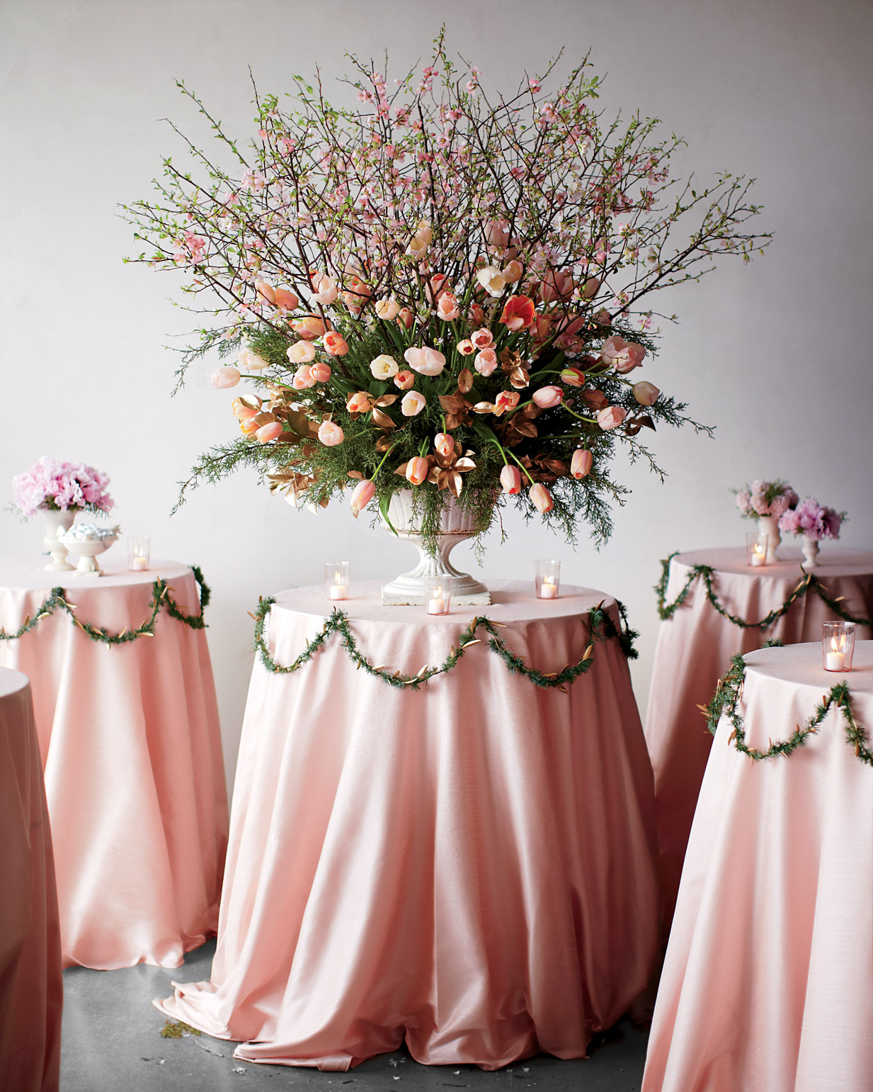 Wedding Website Url Ideas: 13 Genius Winter Wedding Flower Ideas From Pro Florists