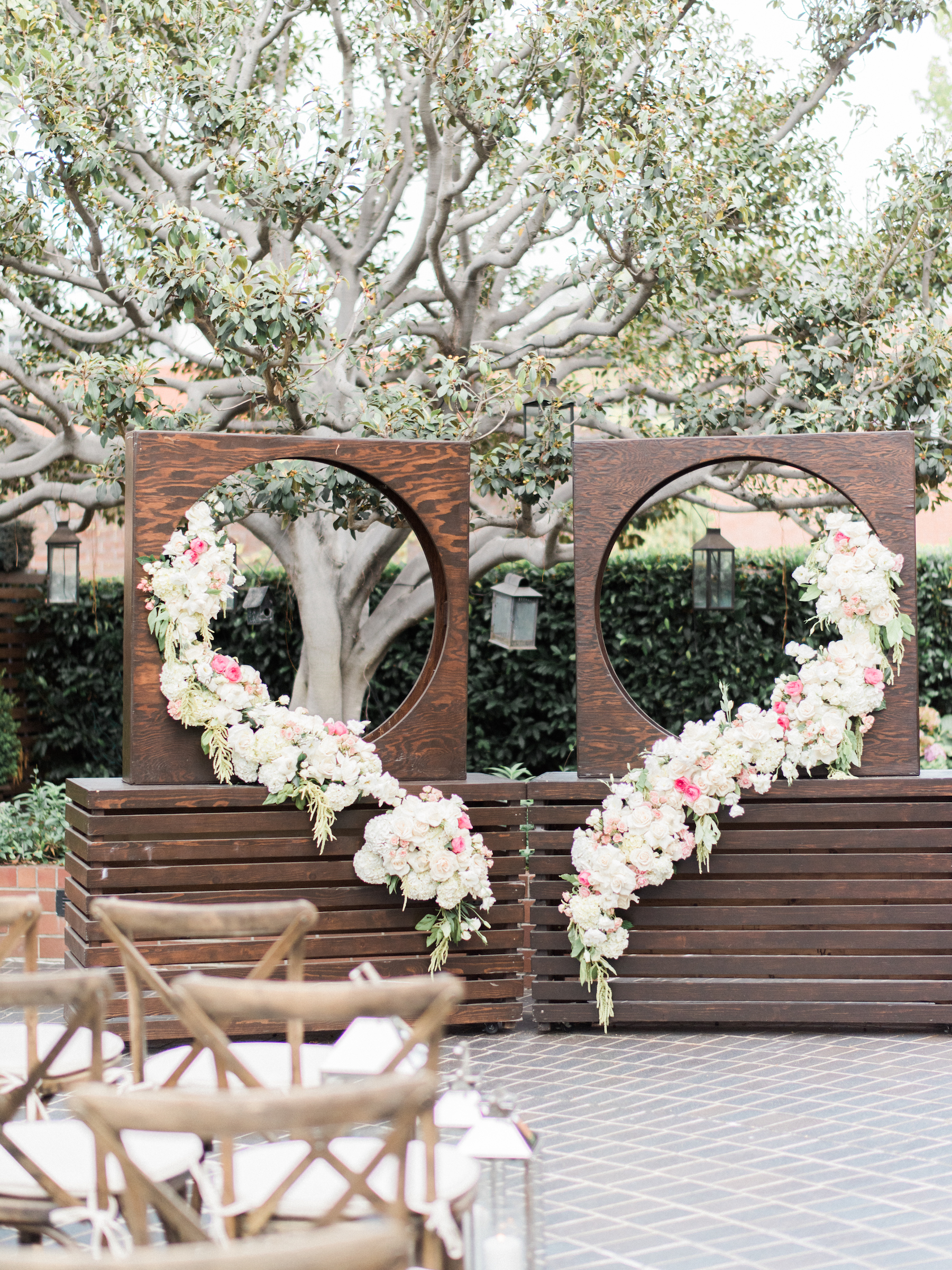 bride groom heart backdrop