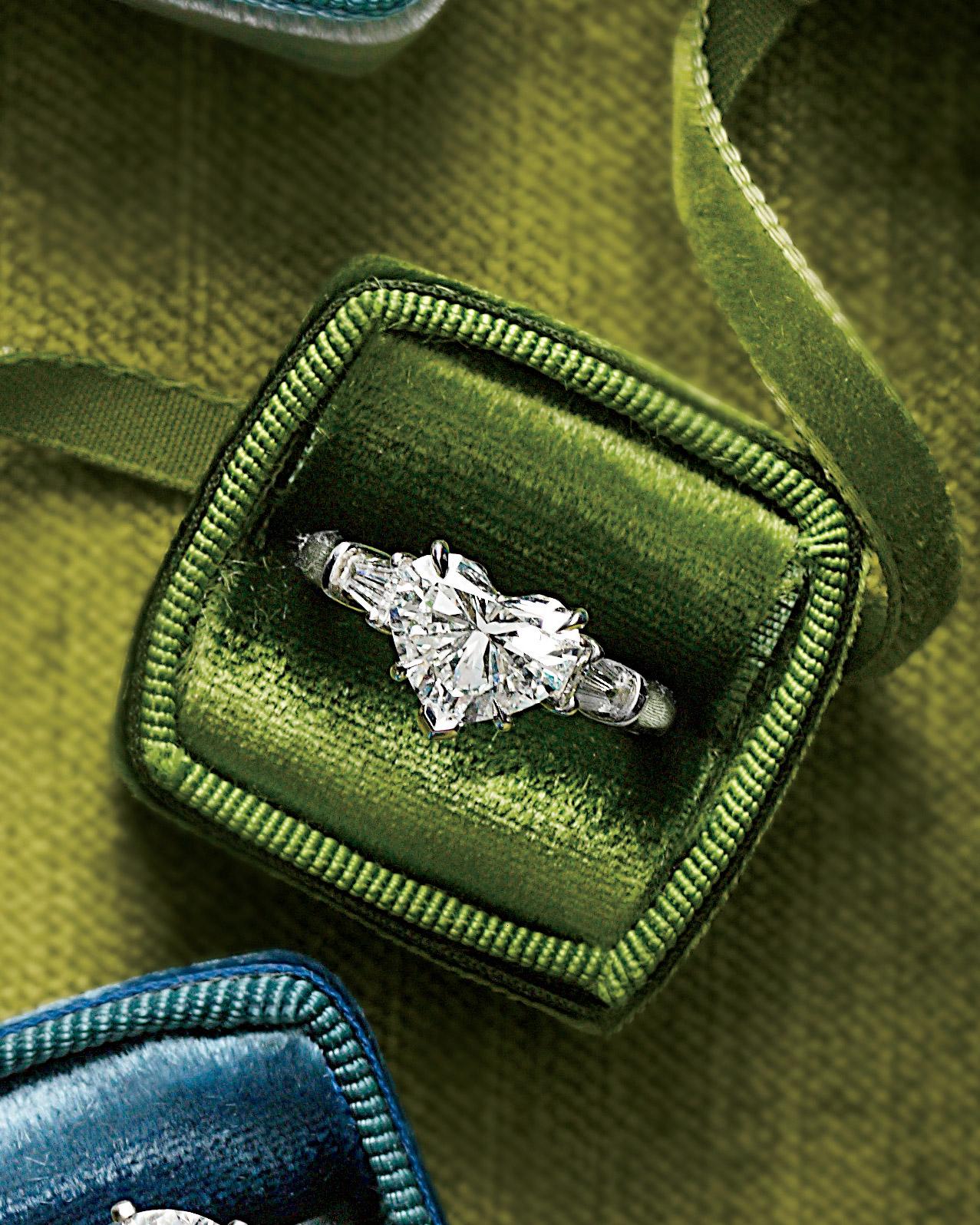 rings-10-mwd107940.jpg