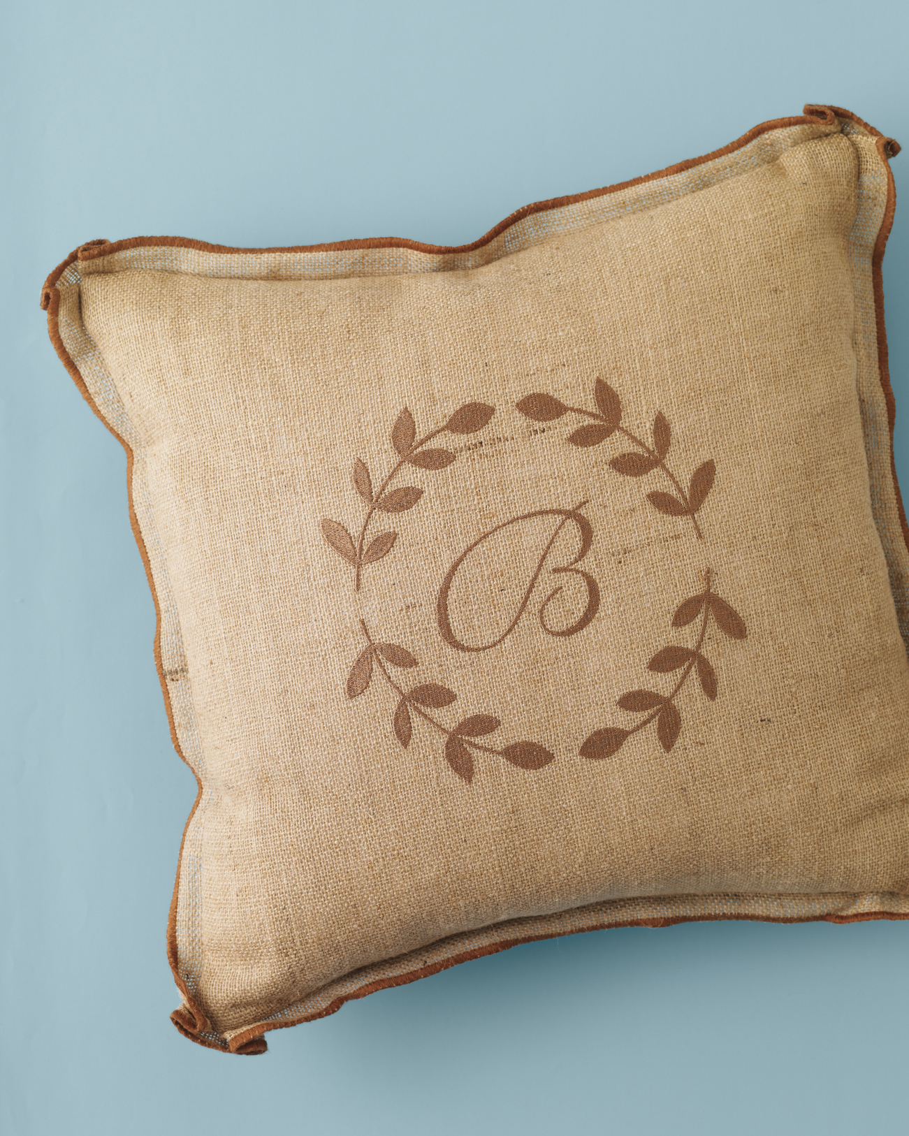 pillow-mwd108401.jpg