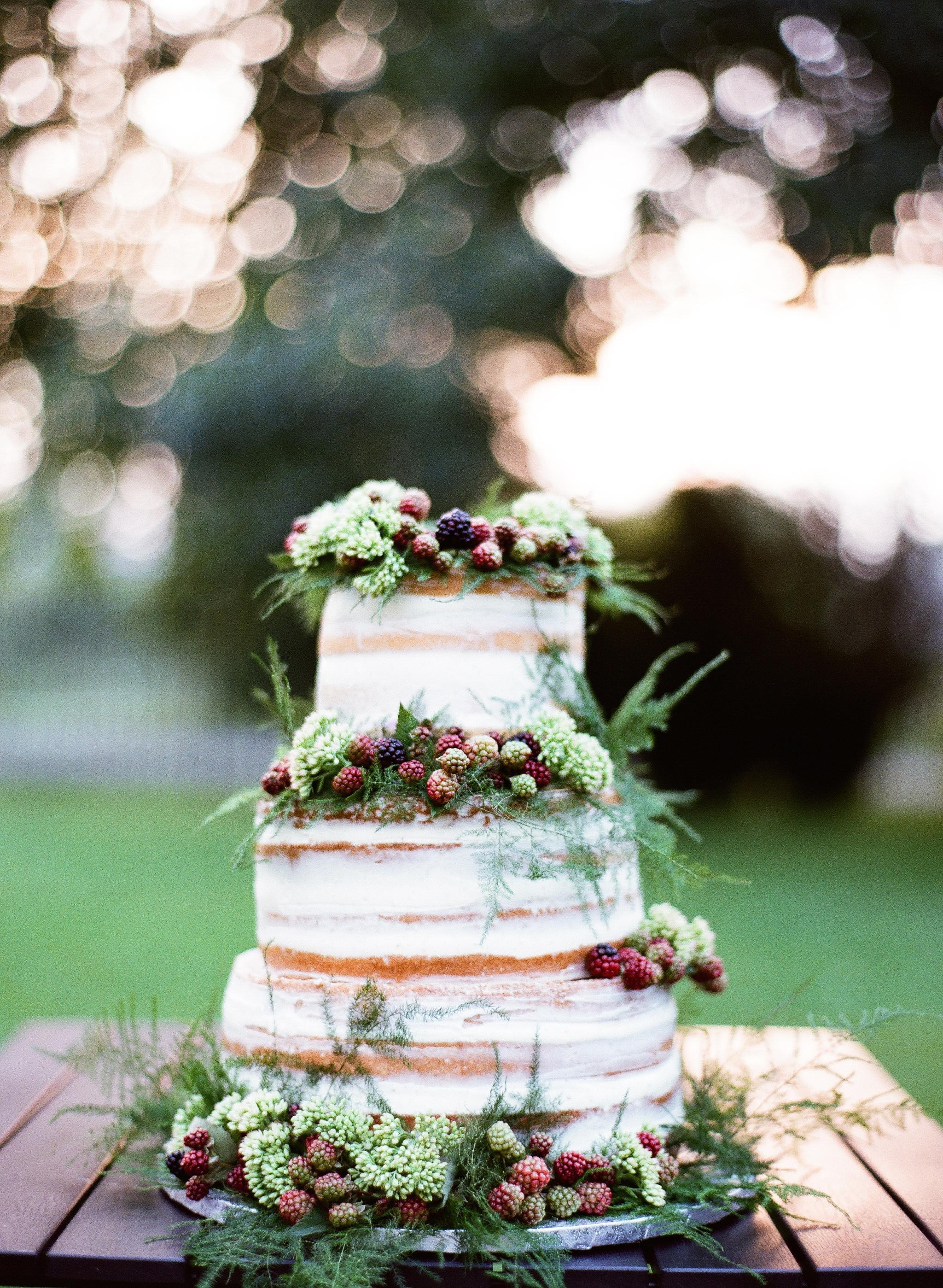 berry wedding ideas peter and veronika blackberry cake
