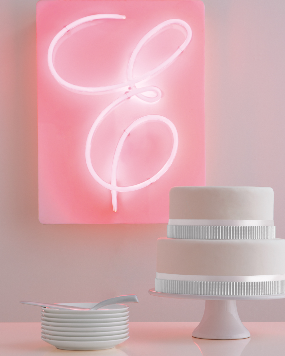 neon-light-cake-mwd108136.jpg