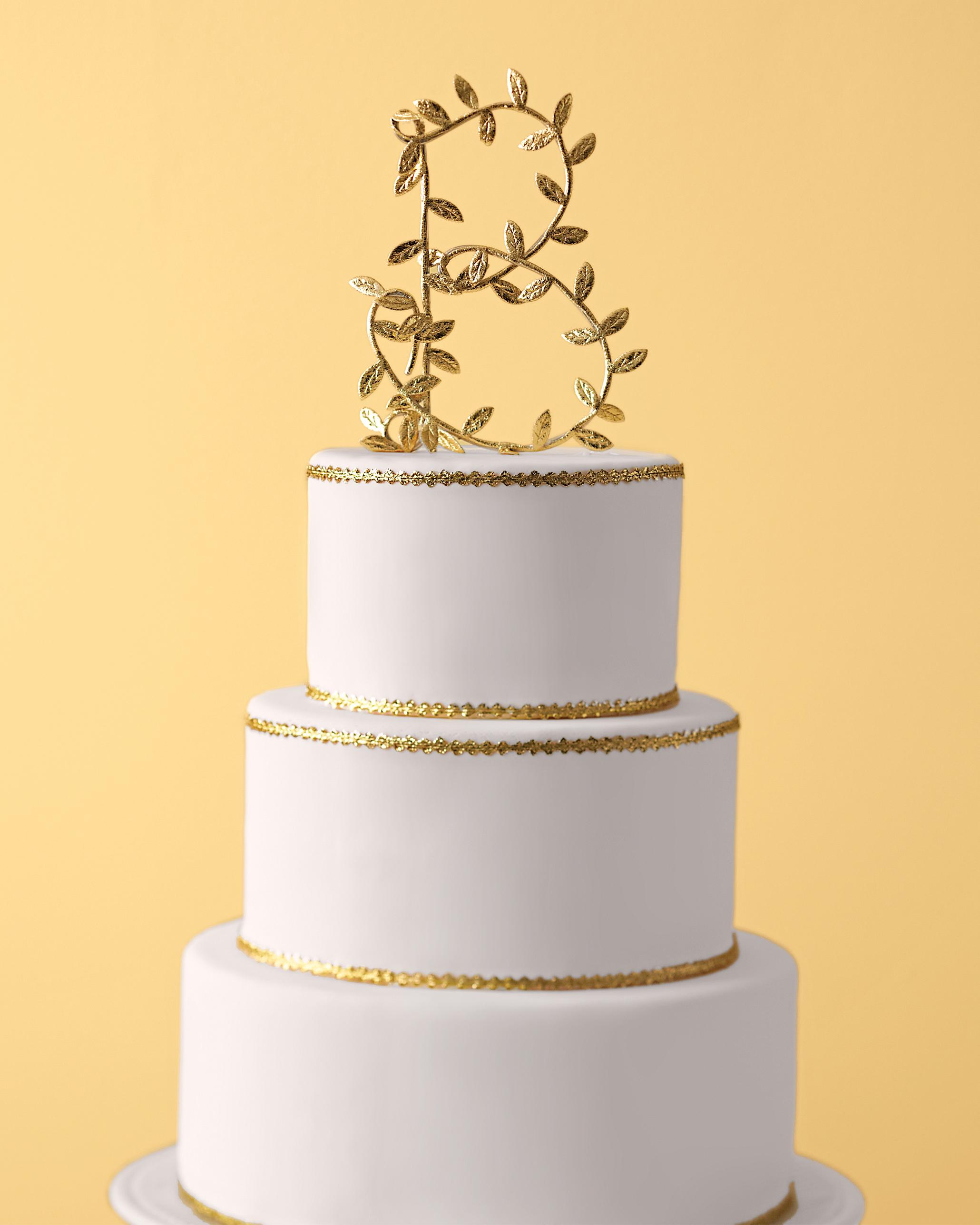 monogram-cake-0811mwd107435.jpg