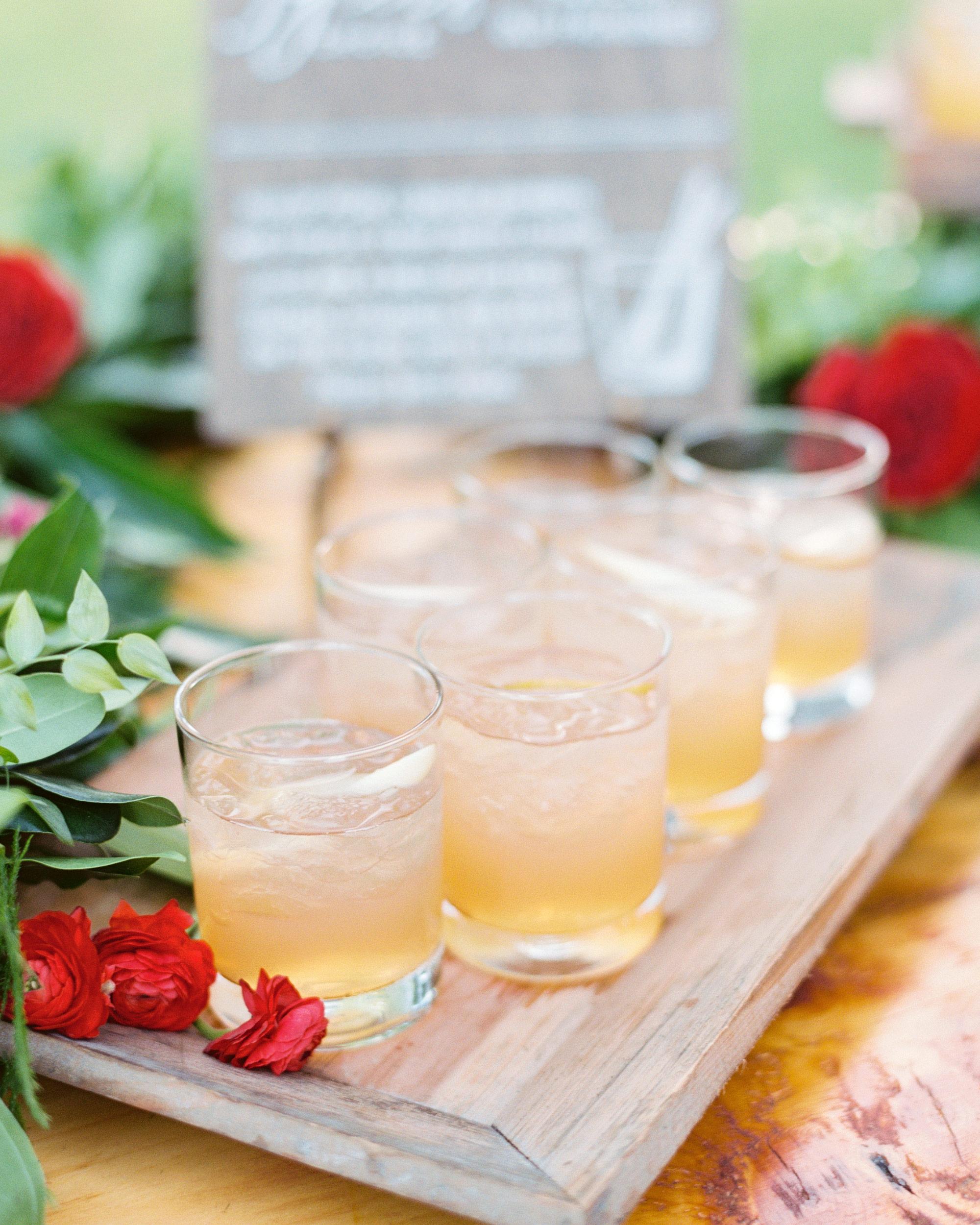 sasha-tyler-wedding-virginia-cocktails-09-s112867.jpg