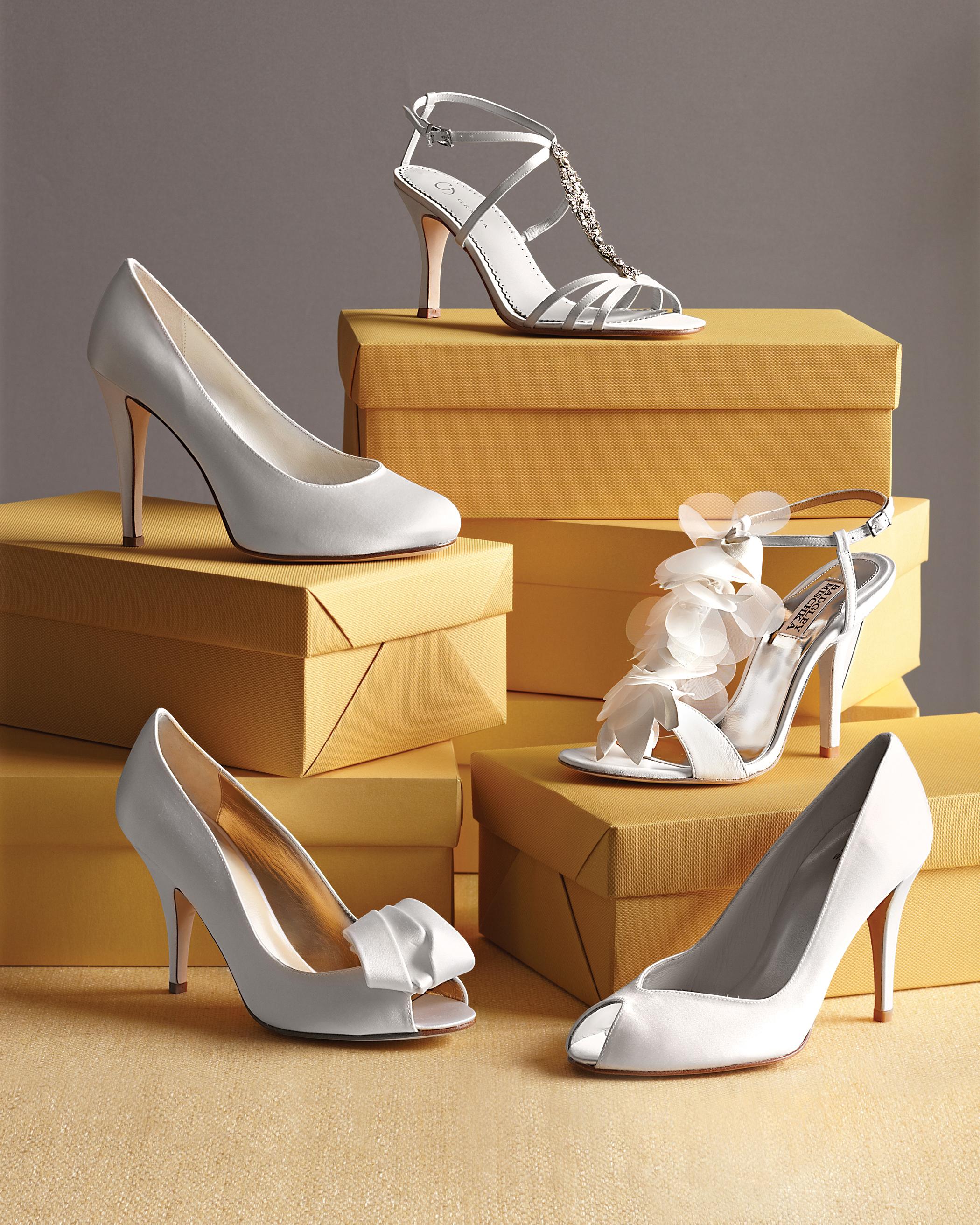 shoes-0811mwd107435.jpg