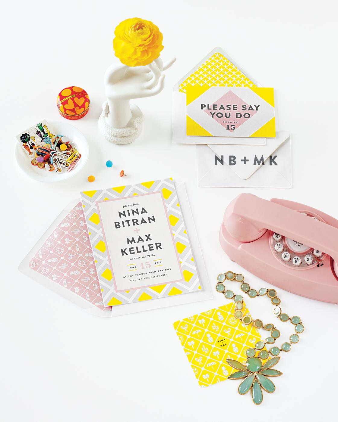stationery-white-desk-mwd108830.jpg