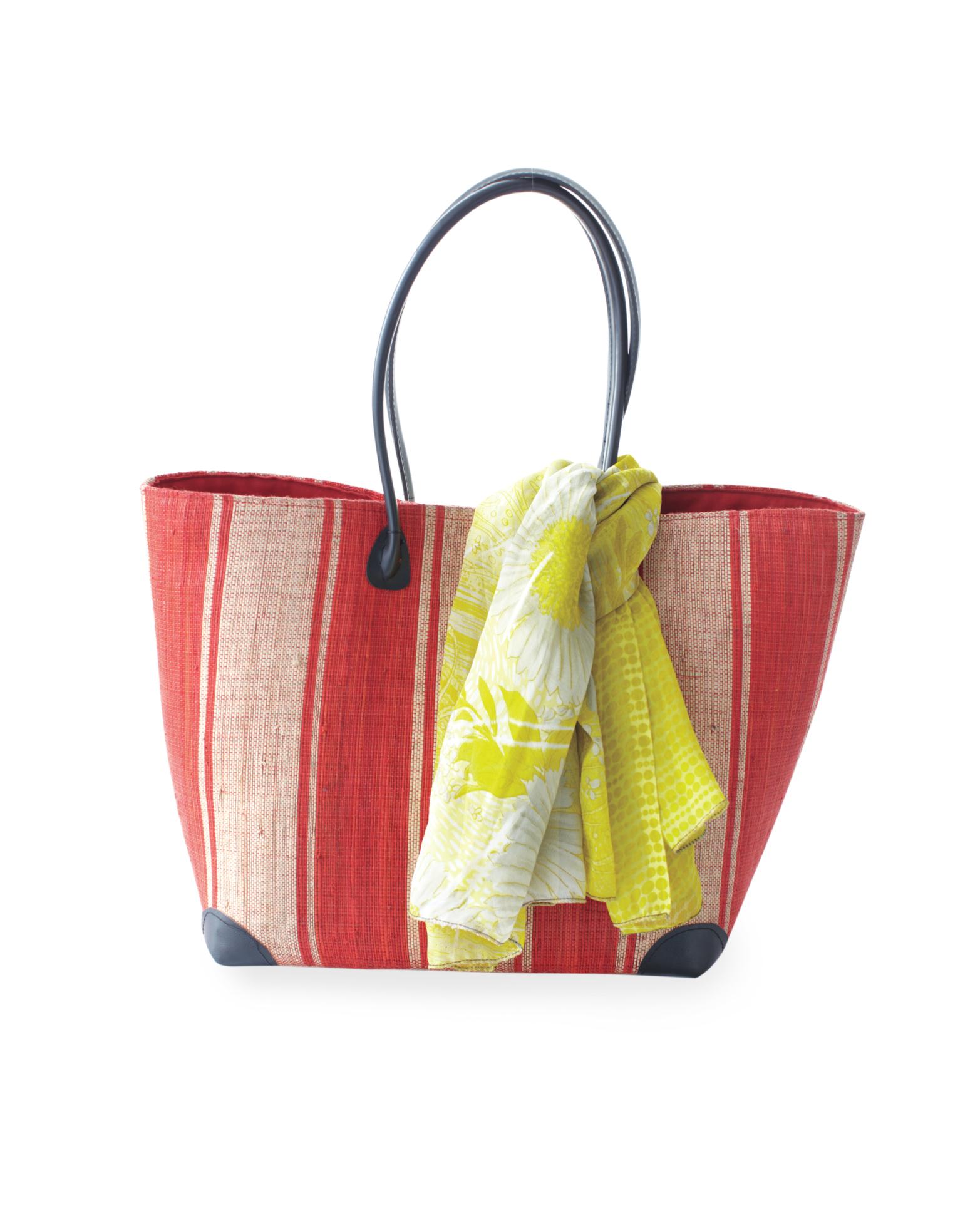 elizabeth-tom-honeymoon-bags-mwds109105.jpg