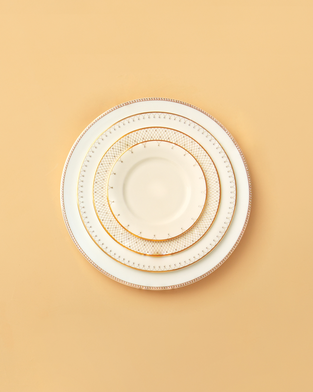 ines-de-santo-plates-mwd108878.jpg