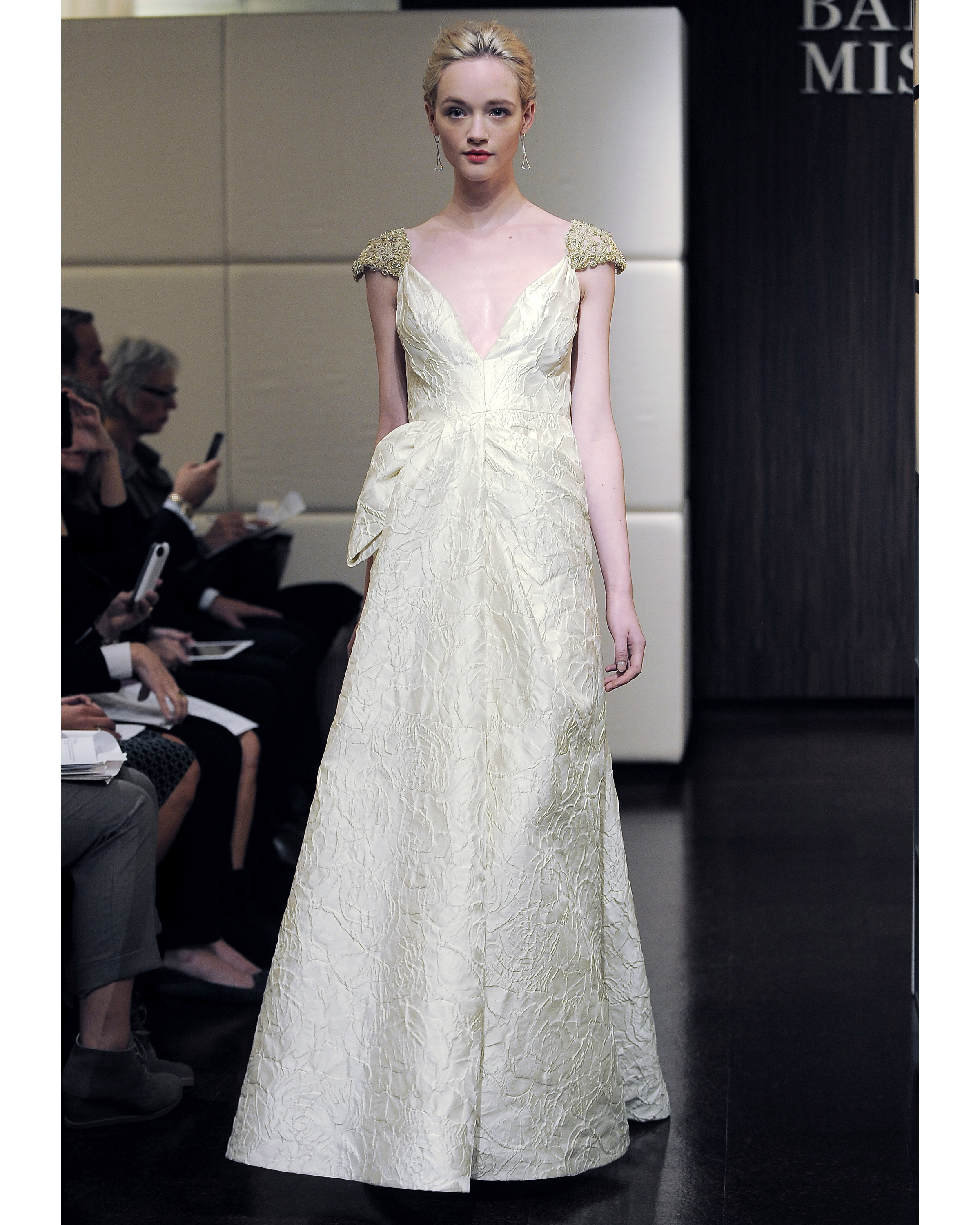 badgley-mischka-fall2013-wd109515-008.jpg